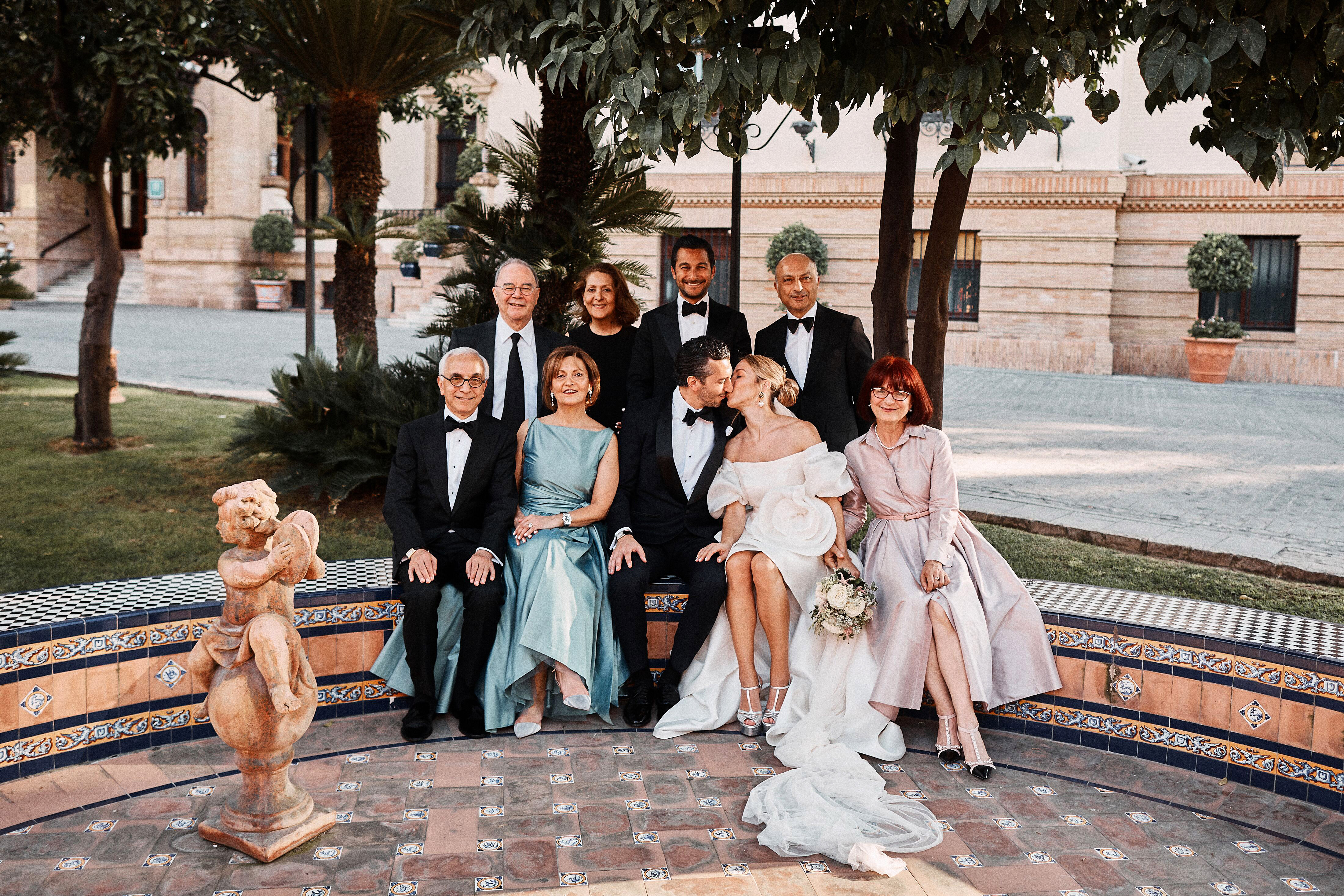 karolina sorab wedding family and couple portrait