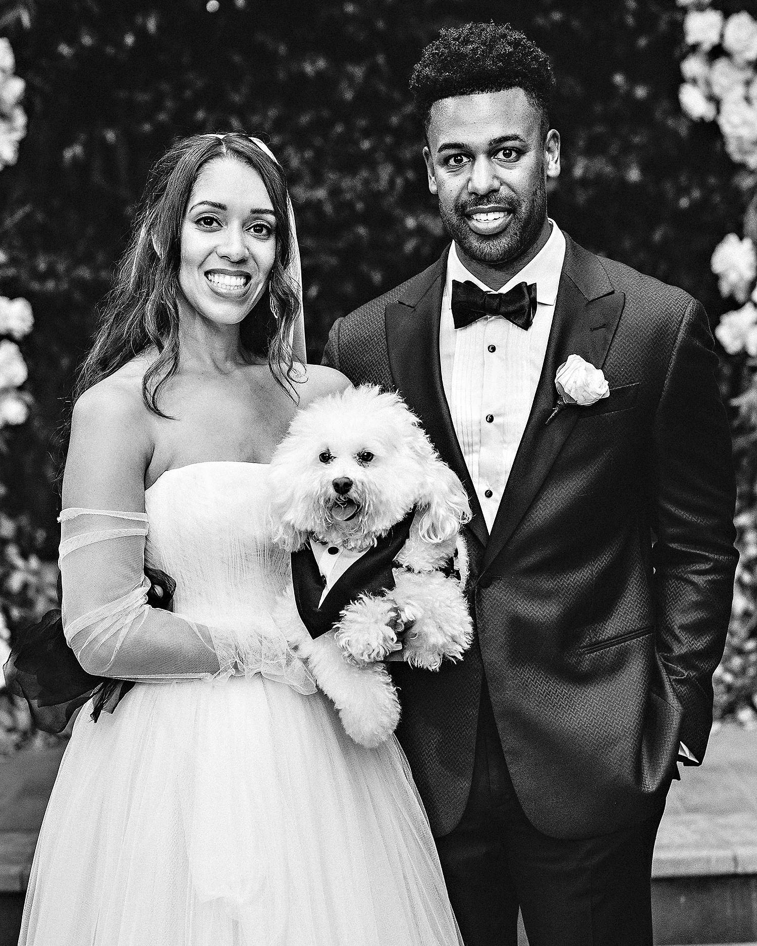 danielle kevin wedding couple and dog