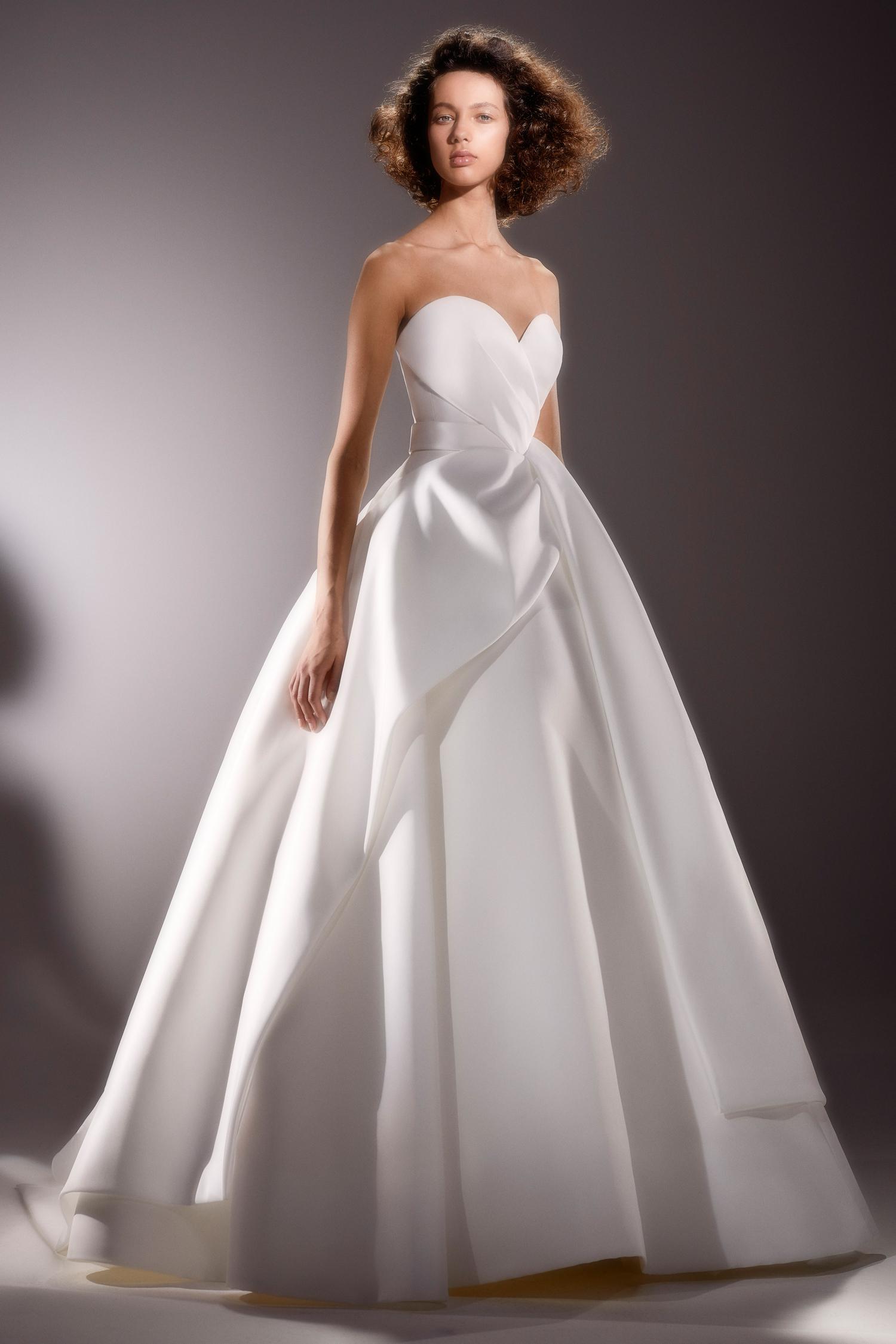 viktor and rolf strapless sweetheart ballgown wedding dress spring 2020