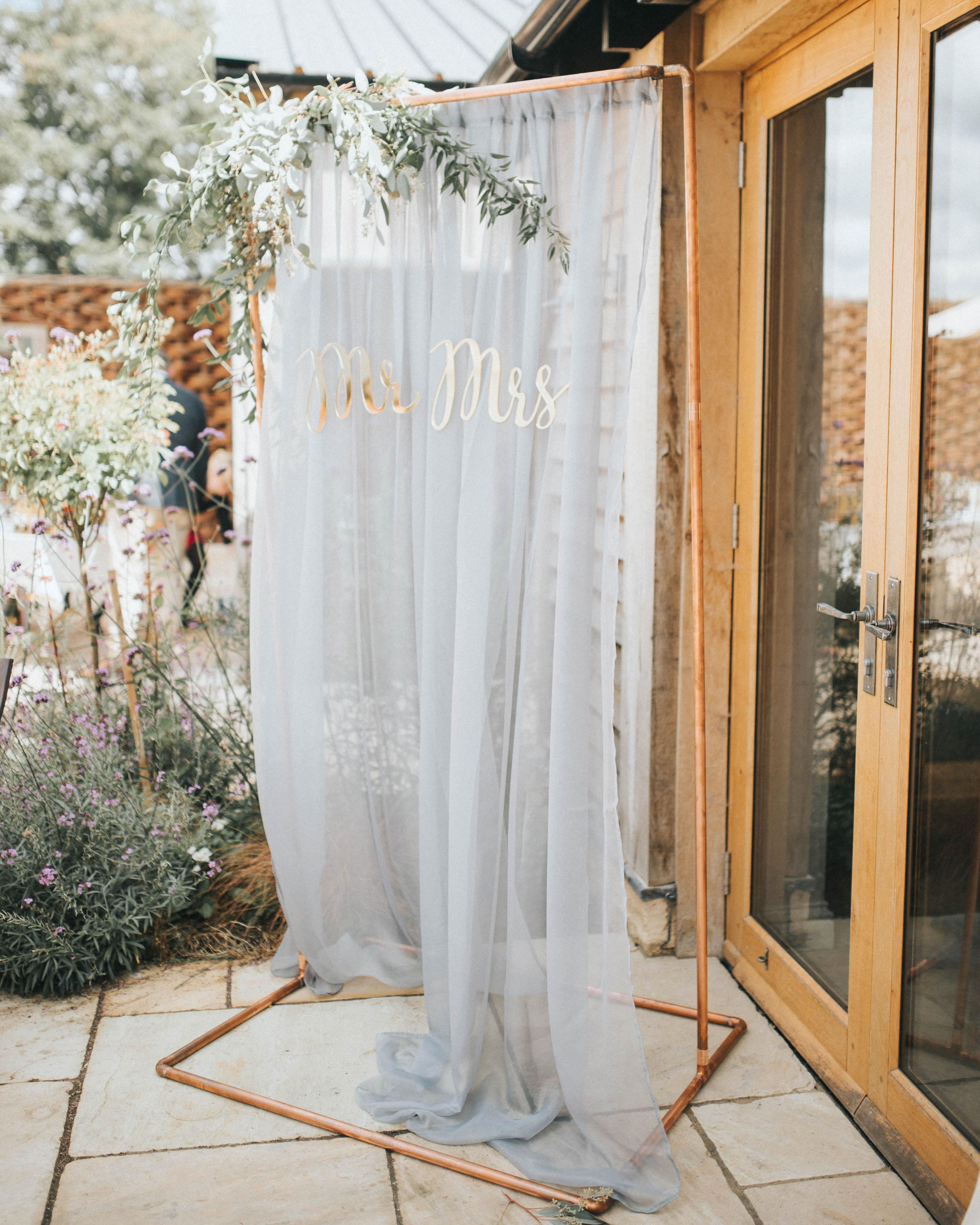 eucalyptus photo backdrop copper pipe gray fabric