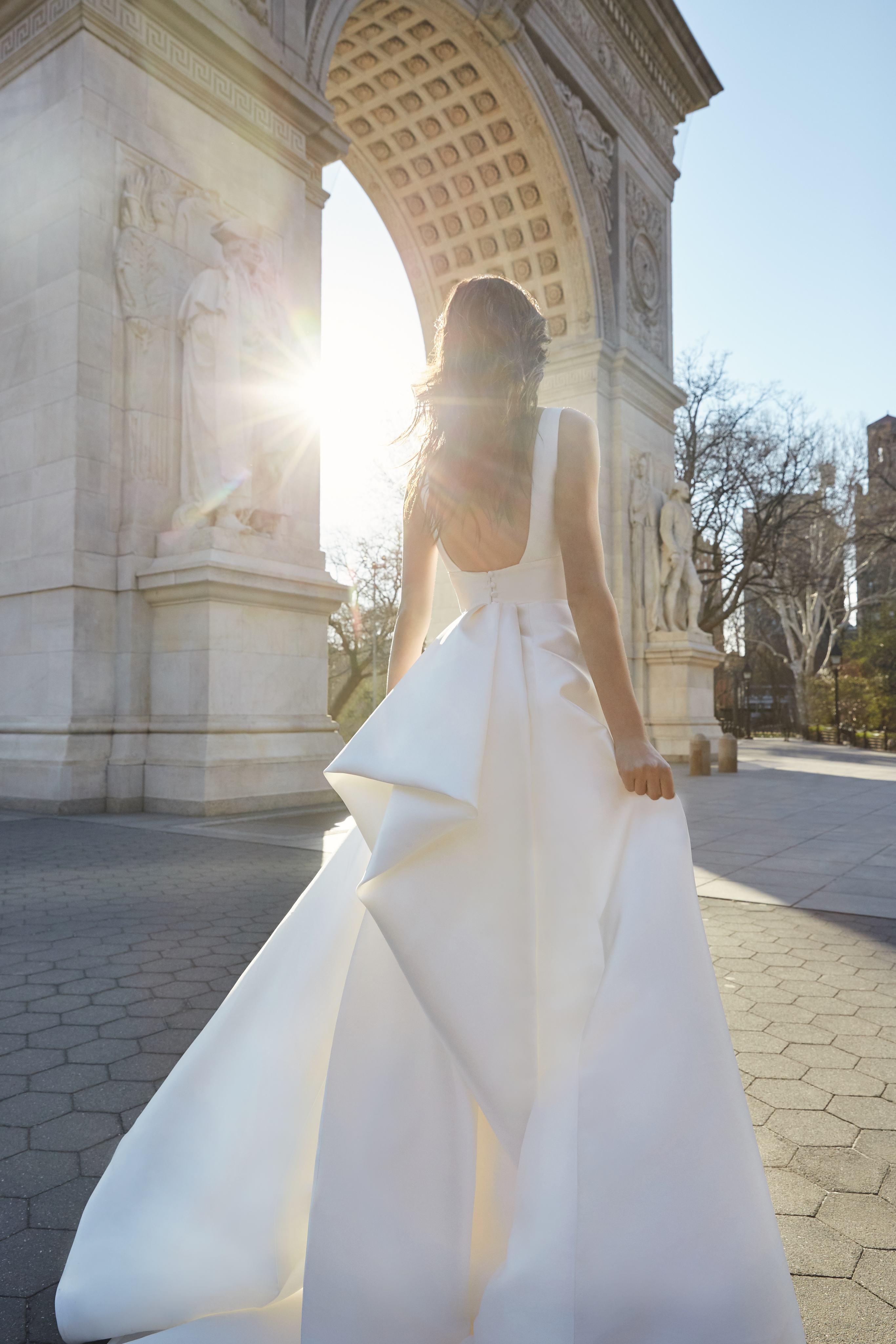 monique lhuillier bliss sleeveless ball gown wedding dress spring 2020