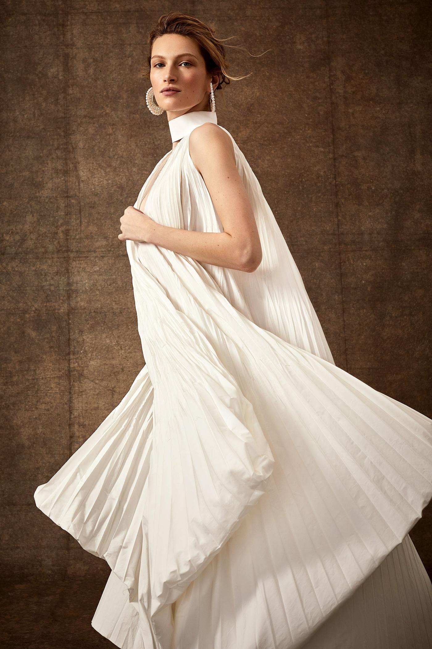 high-neck keyhole ribbed sack wedding dress Danielle Frankel Spring 2020