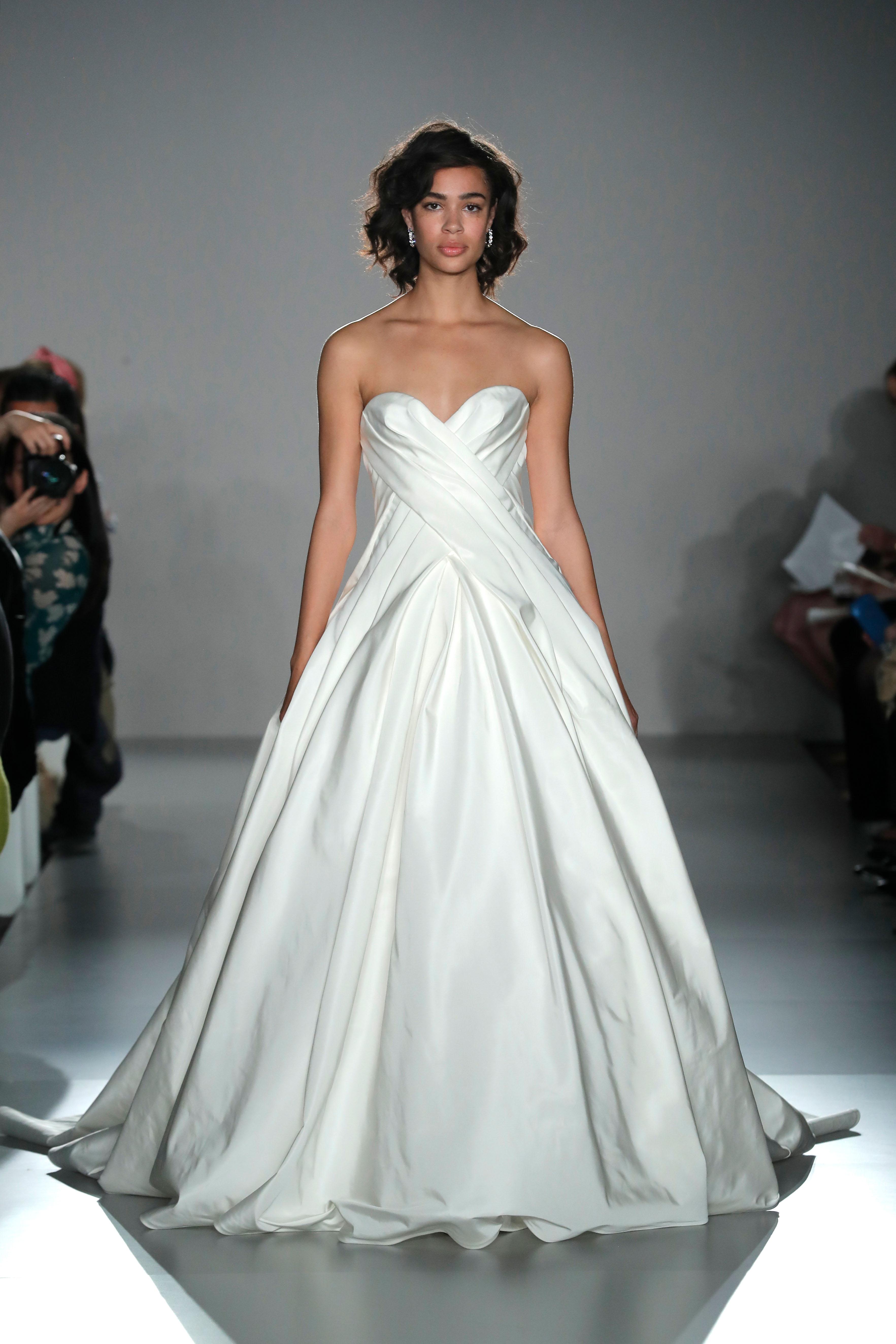 strapless sweetheart neckline ruching a-line wedding dress Amsale Spring 2020