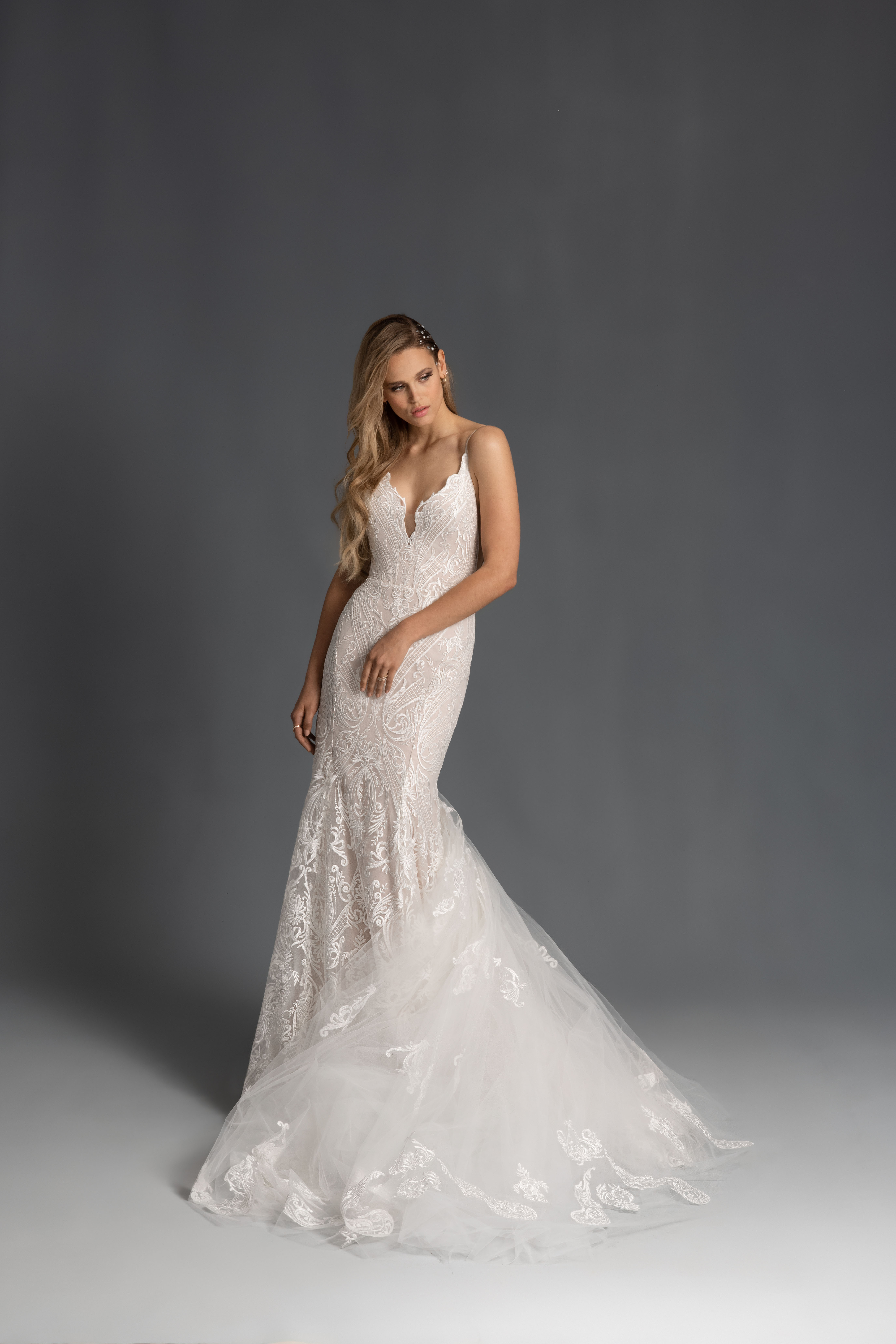 spaghetti strap scalloped edge v-neck lace trumpet wedding dress Hayley Paige Spring 2020