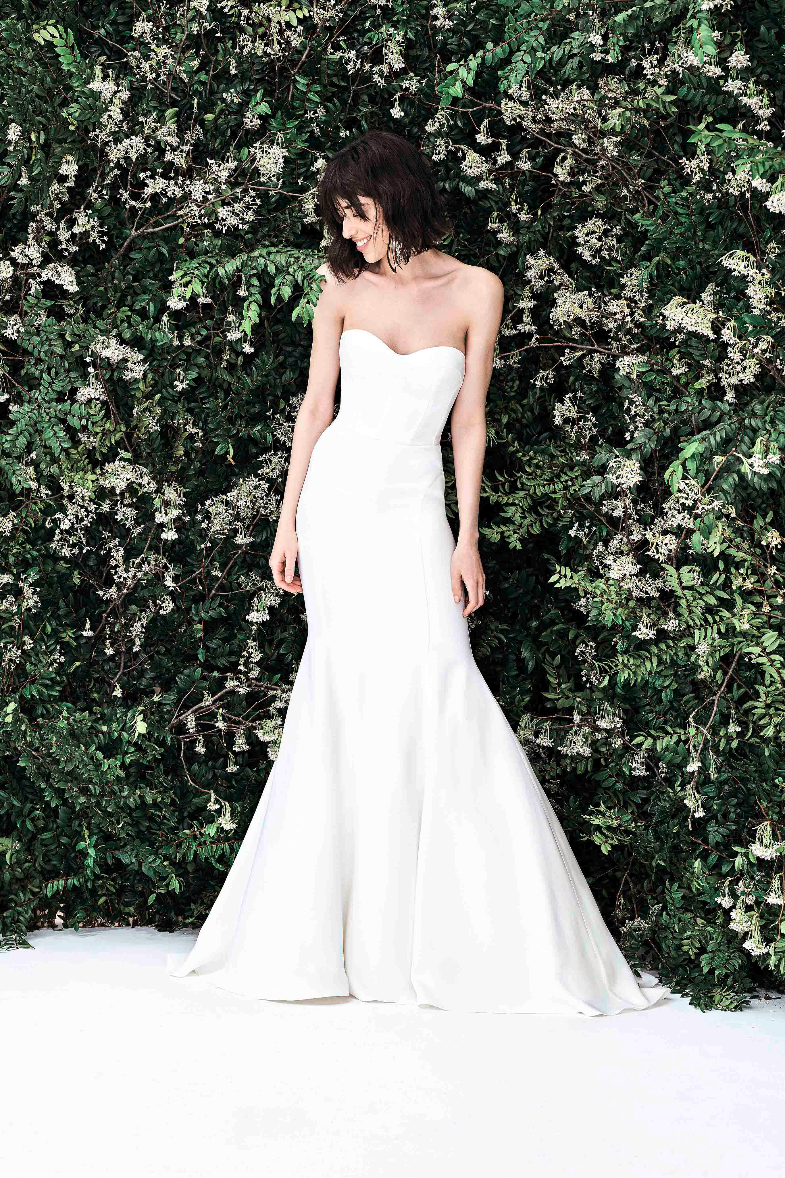 carolina herrera sweetheart trumpet wedding dress spring 2020