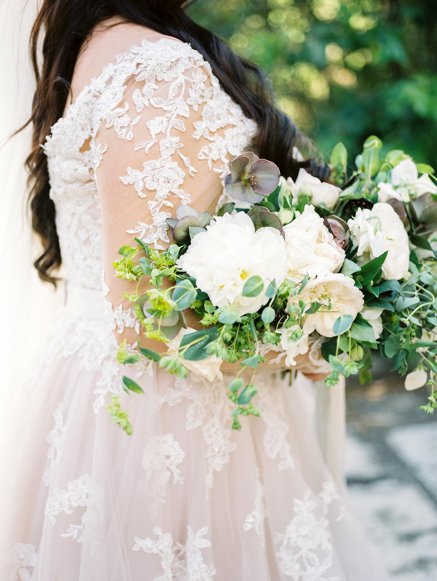 erika evan brides wedding bouquet