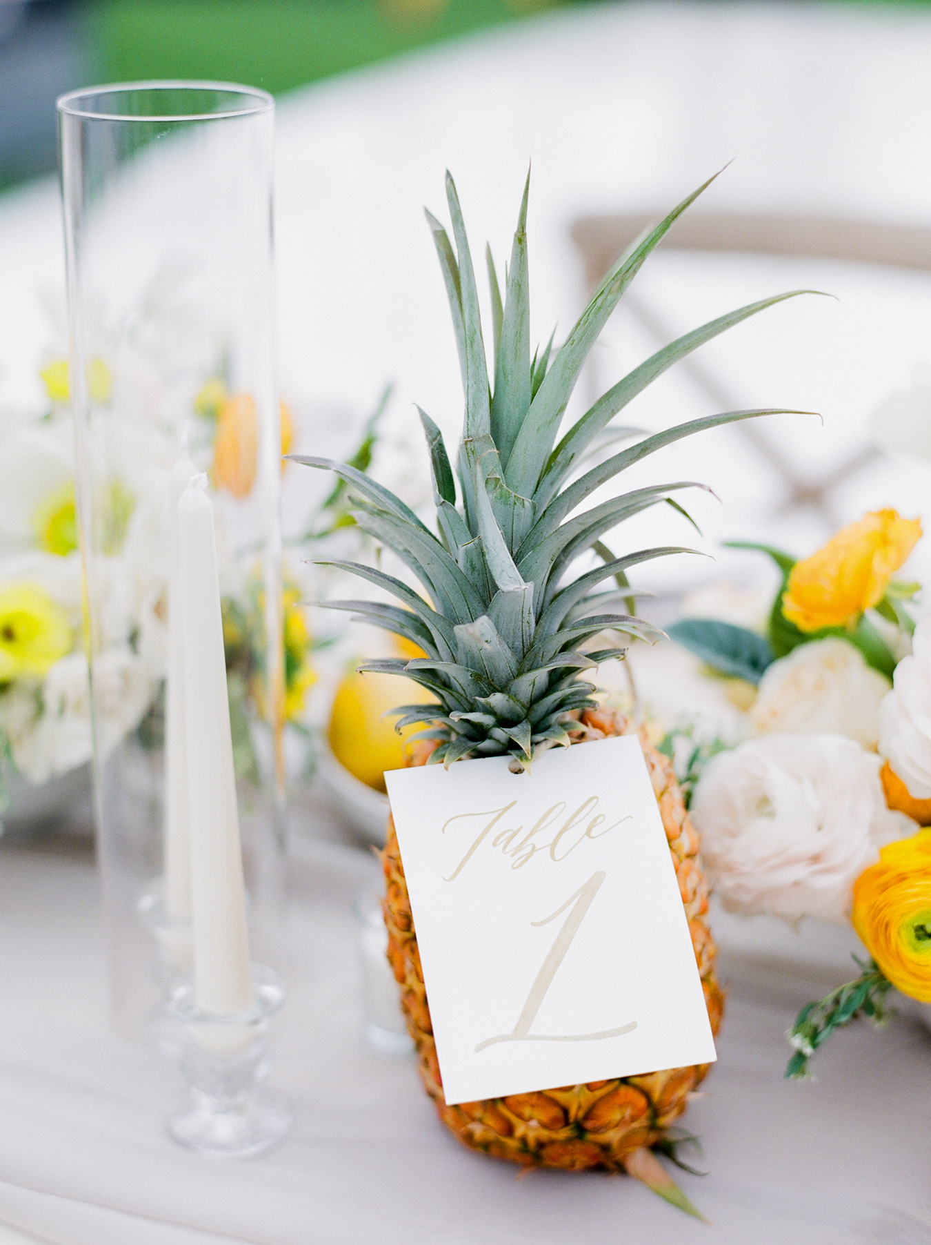 pineapple table numbers