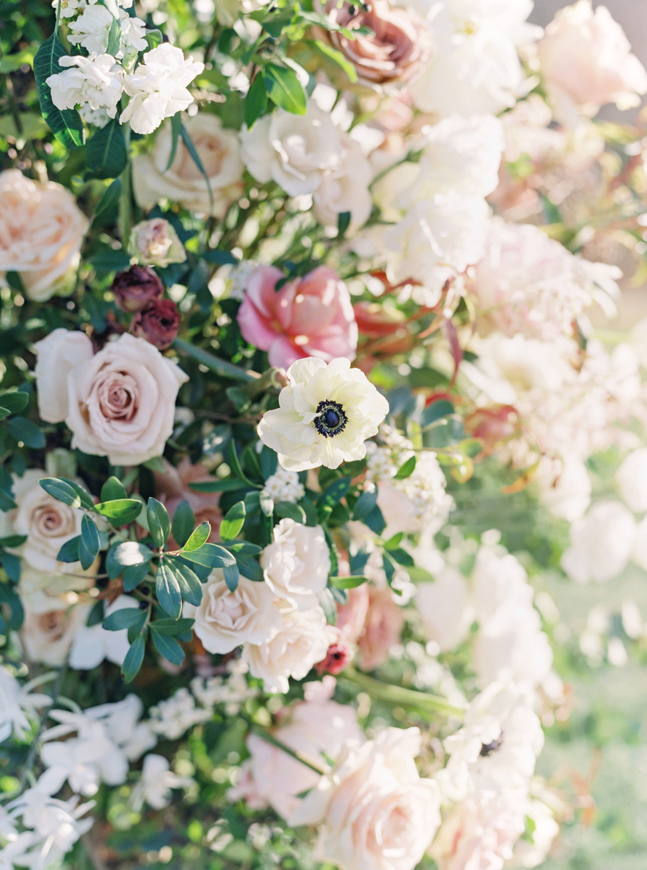 floral chuppah roses and peonies matching bridal bouquet