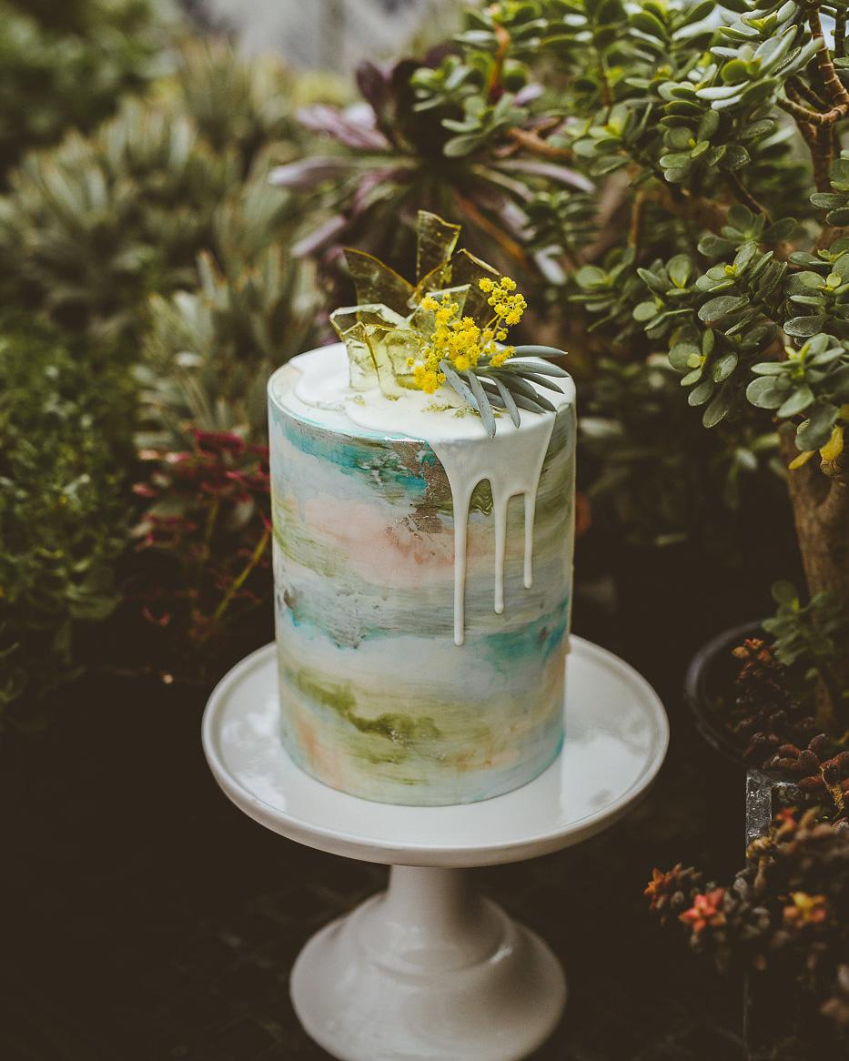 art-inspired wedding ideas watercolor wedding cake