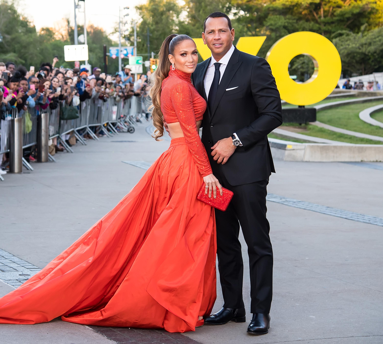 jennifer lopez and alex rodriguez at the cdfa fashion awards