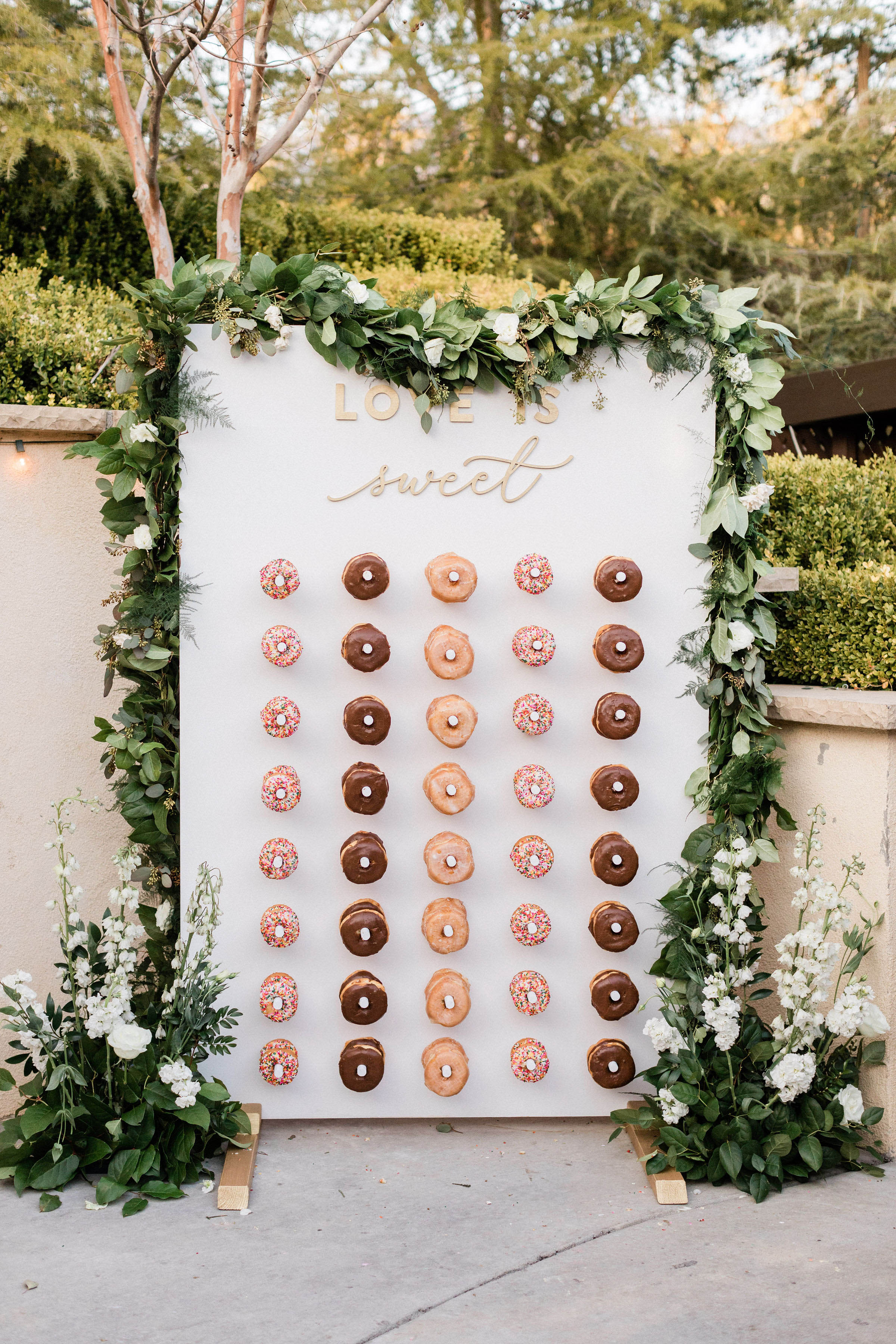 susie joe wedding donuts