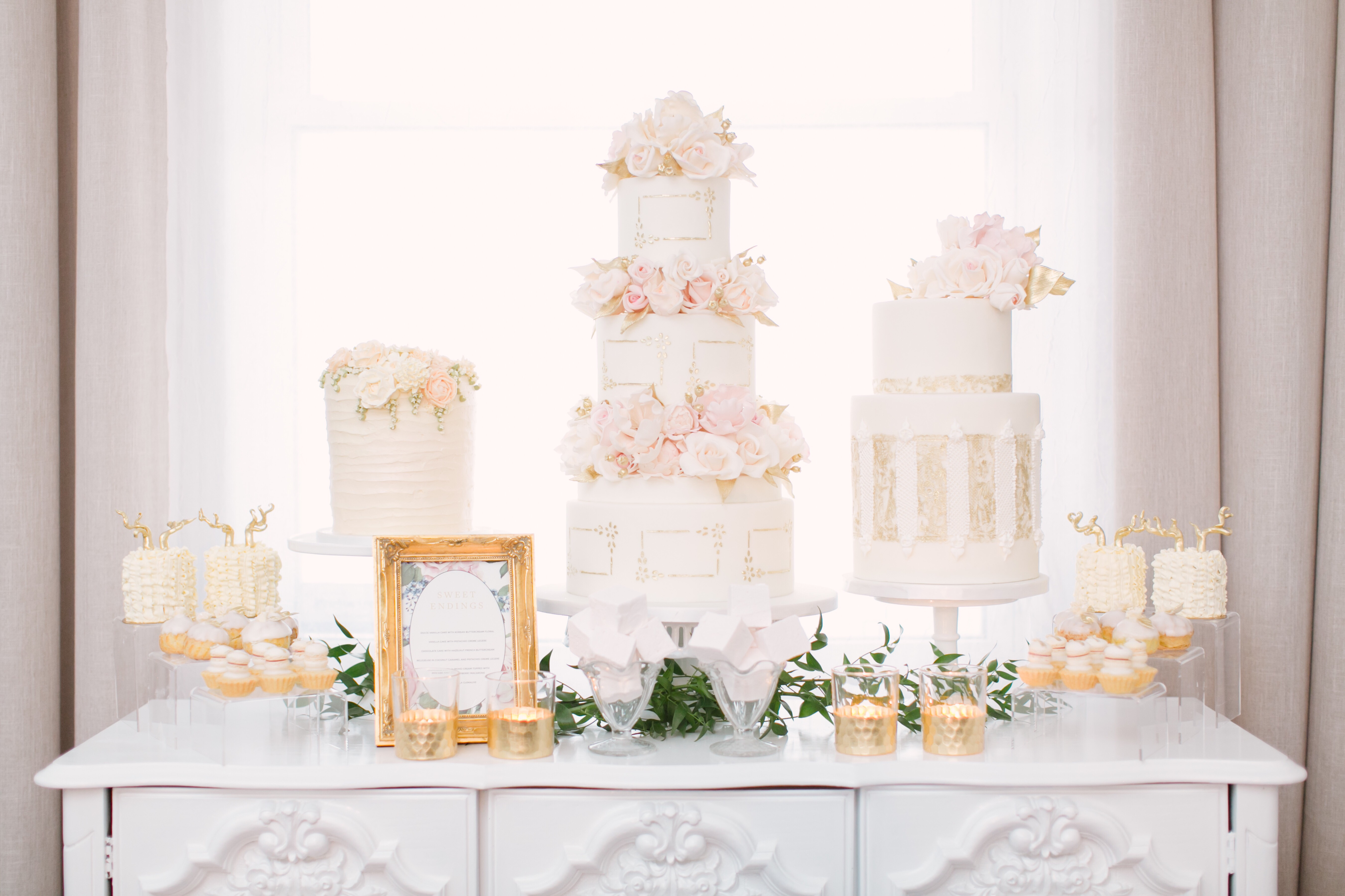 cakes with floral tiers white pink roses