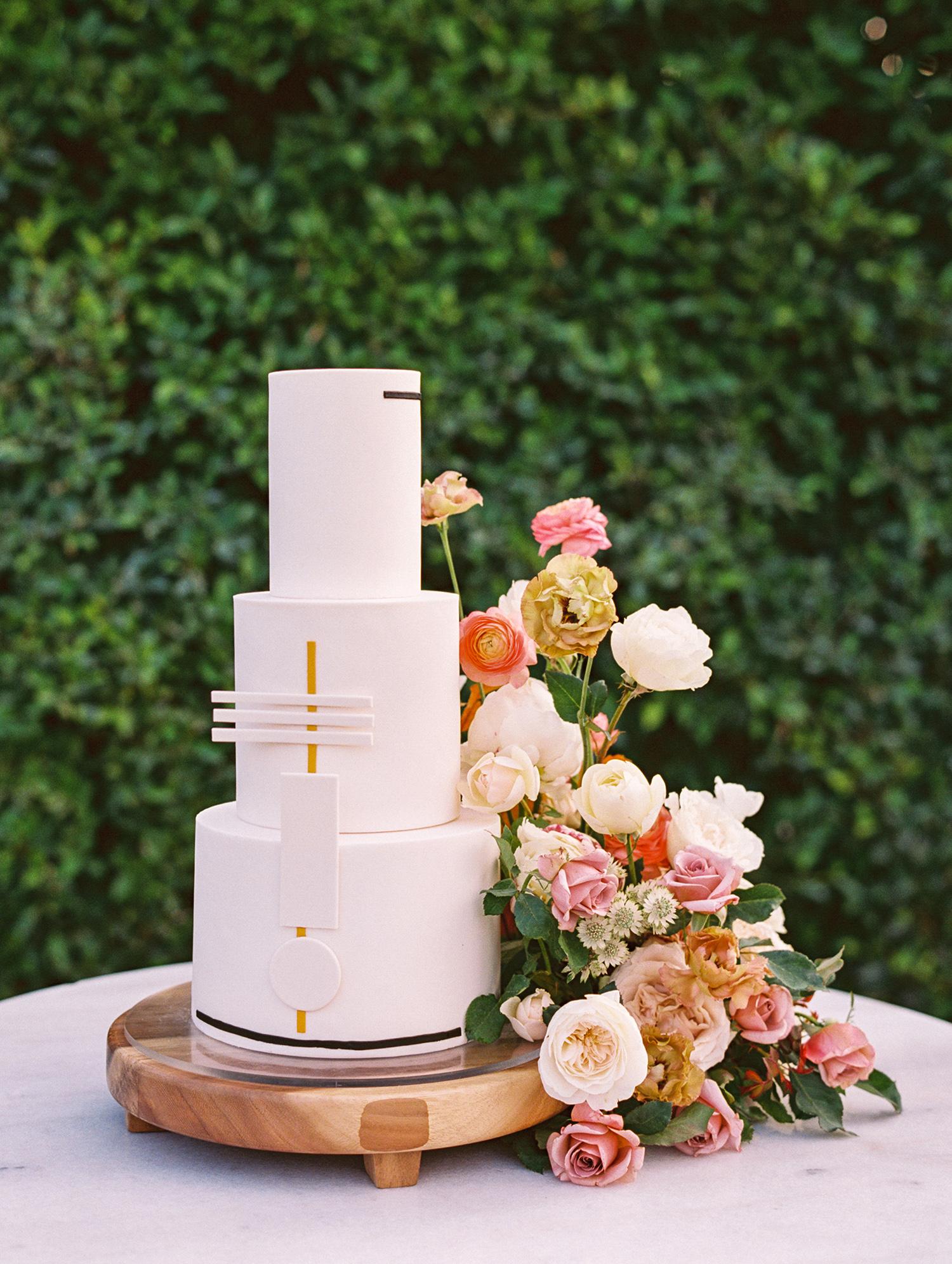 hanna will wedding cake
