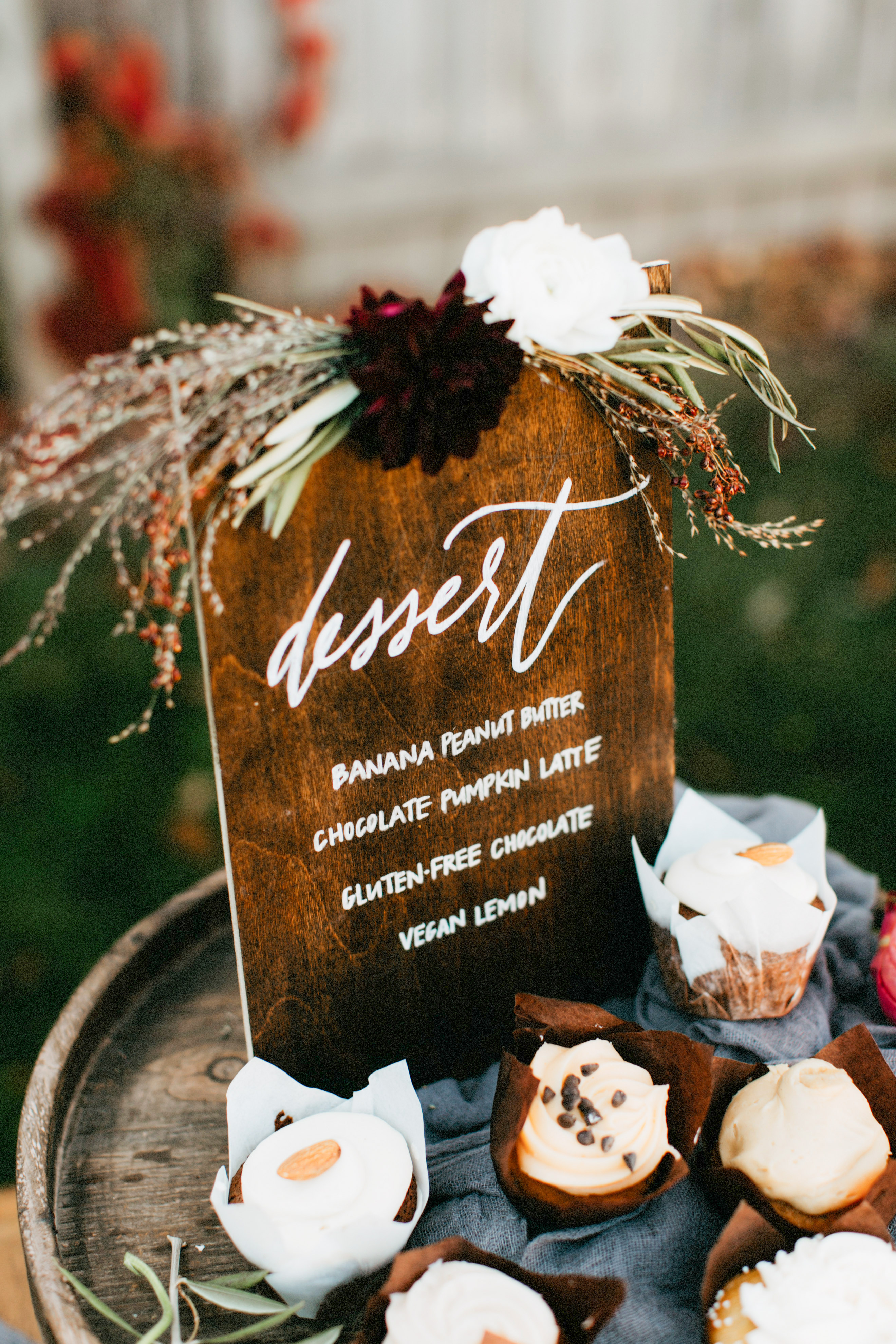 dessert menu ideas dark stained wood board autumn style