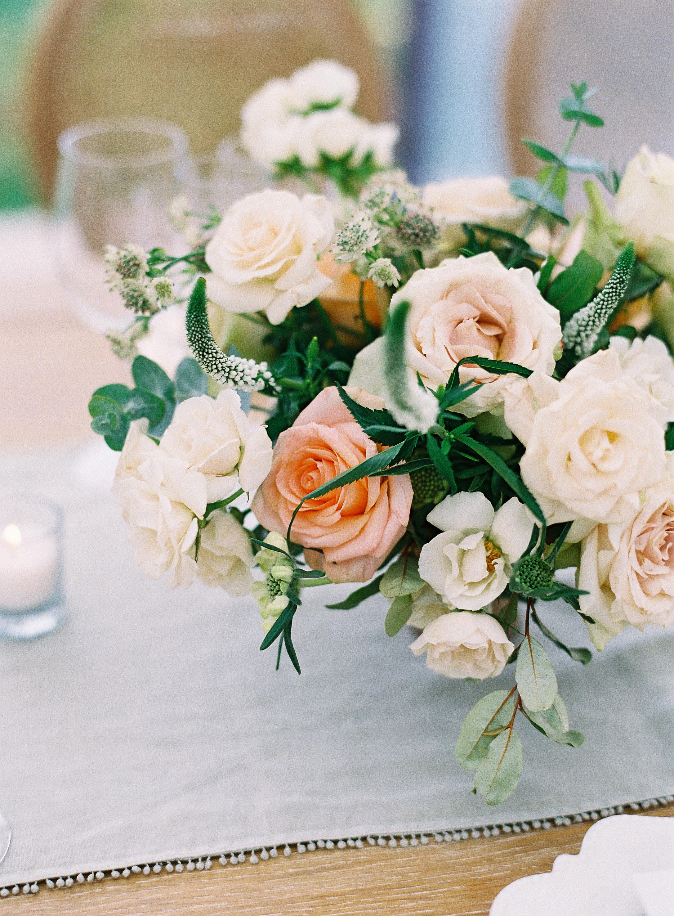 lauren alex wedding floral centerpiece
