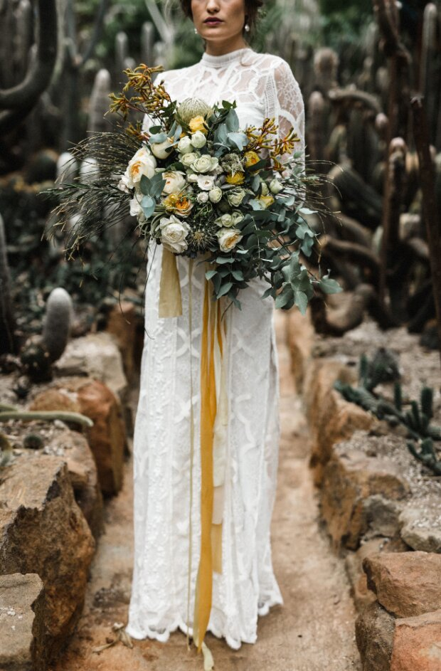 Unexpected Wedding Bouquet Color Combinations That Will Make Your