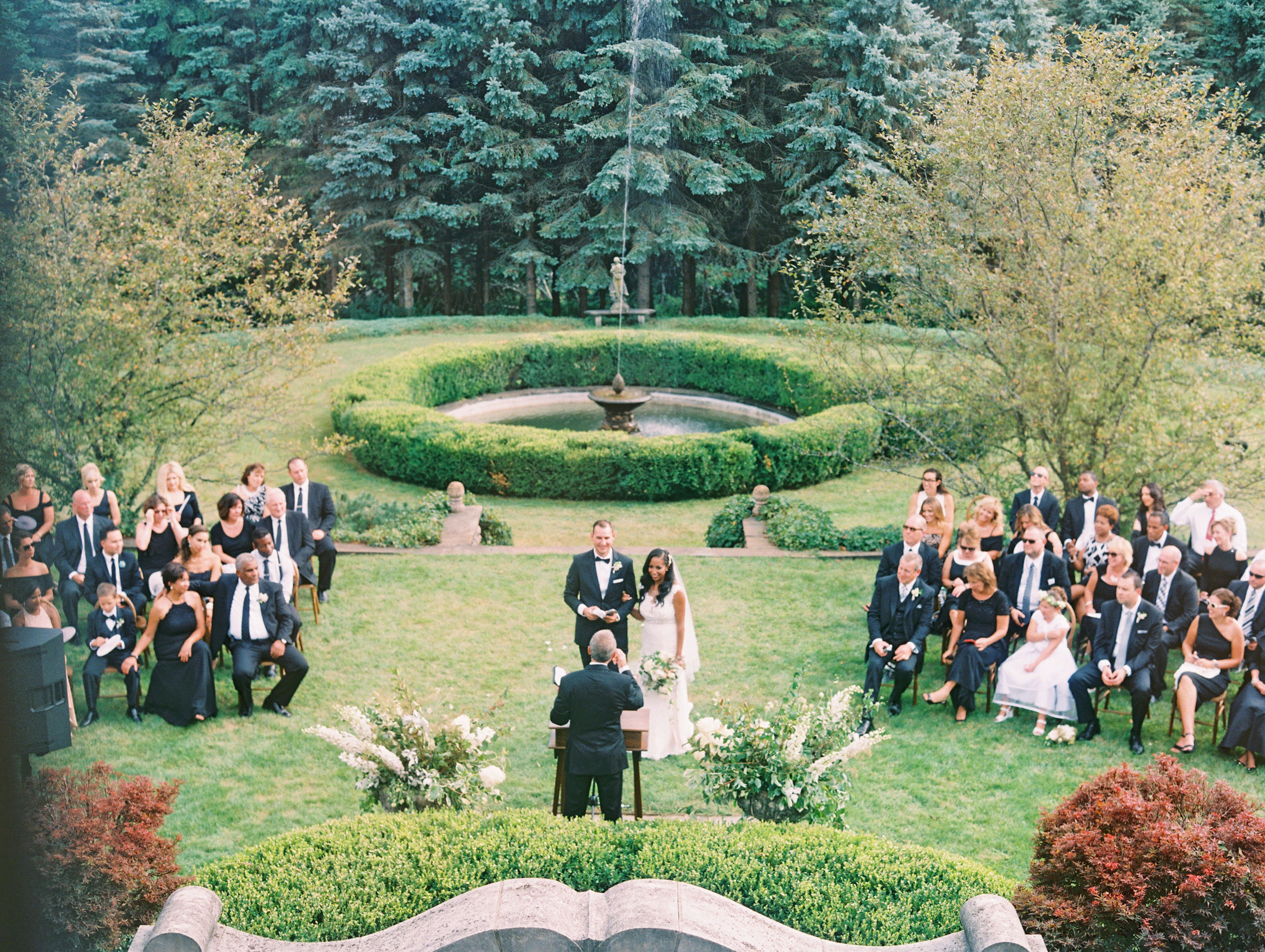 Sample Wedding Day Timelines Martha Stewart Weddings