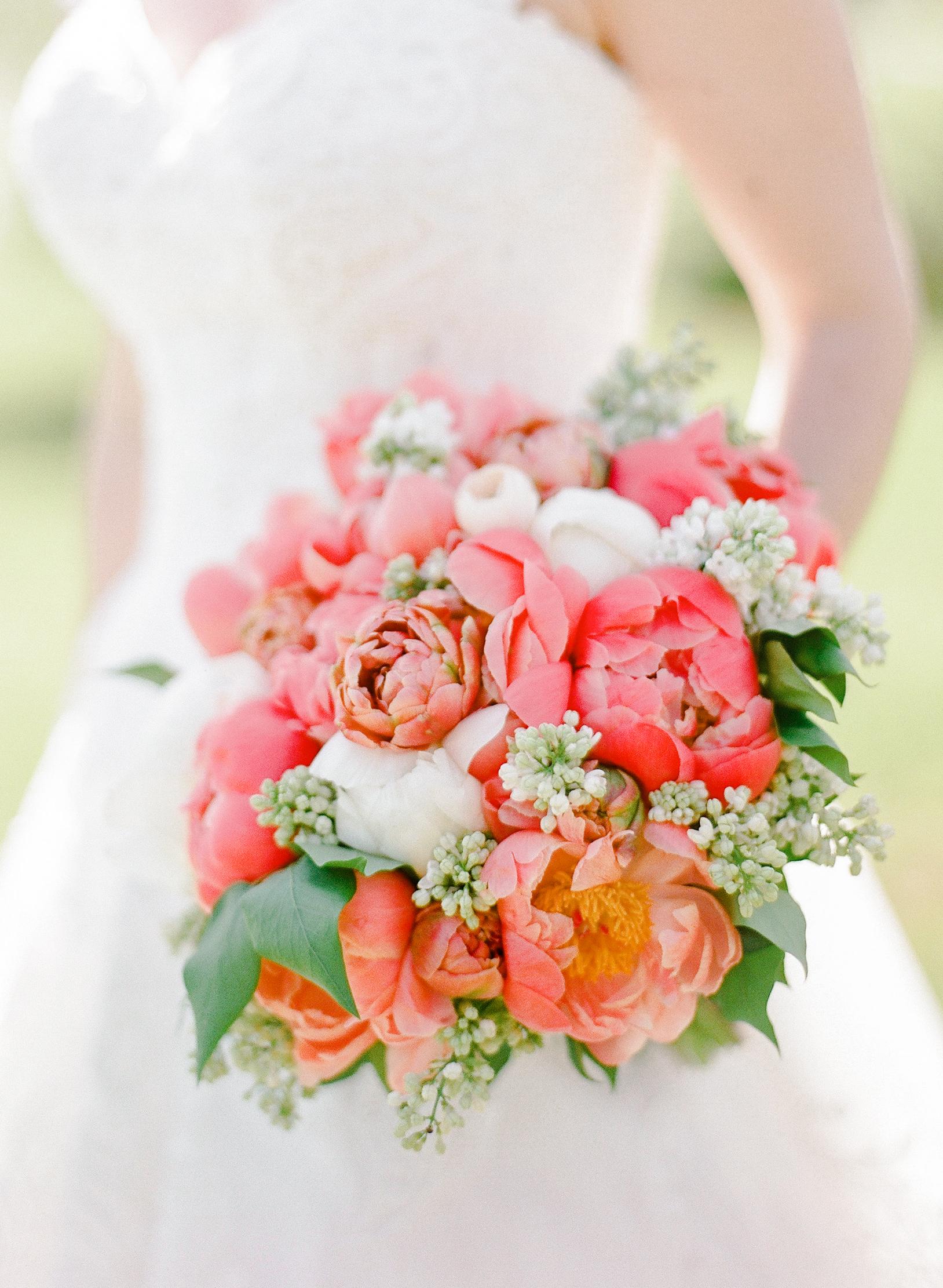 mechelle julia wedding pink bouquet