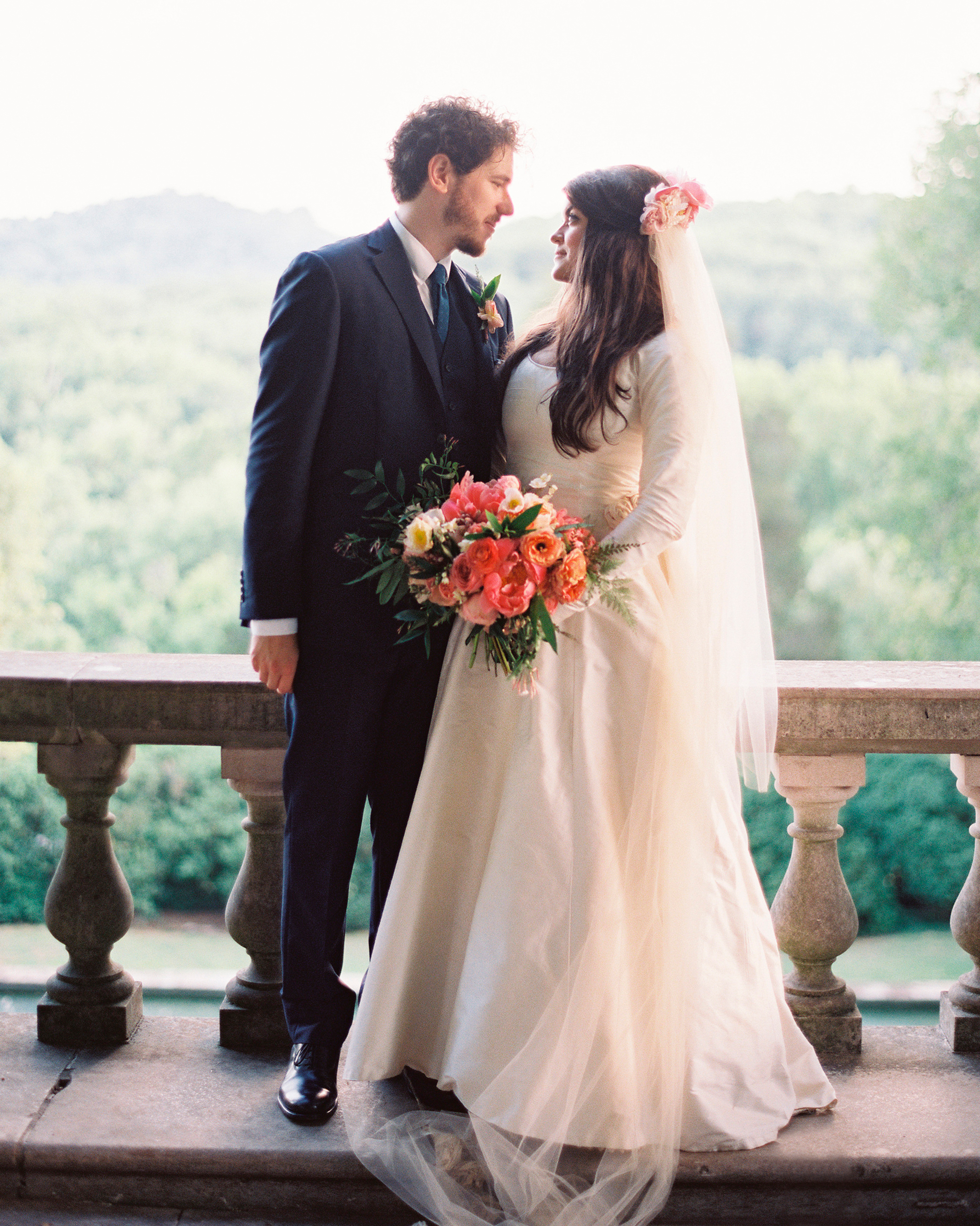 carrie-dan-bride-groom-007115-r1-014-s111627.jpg