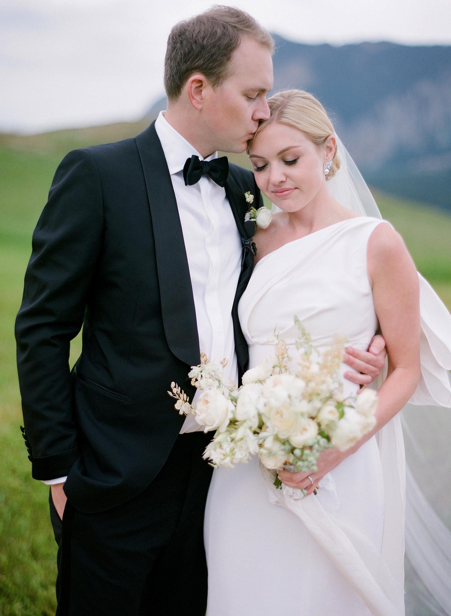 sloan scott wedding couple hugging