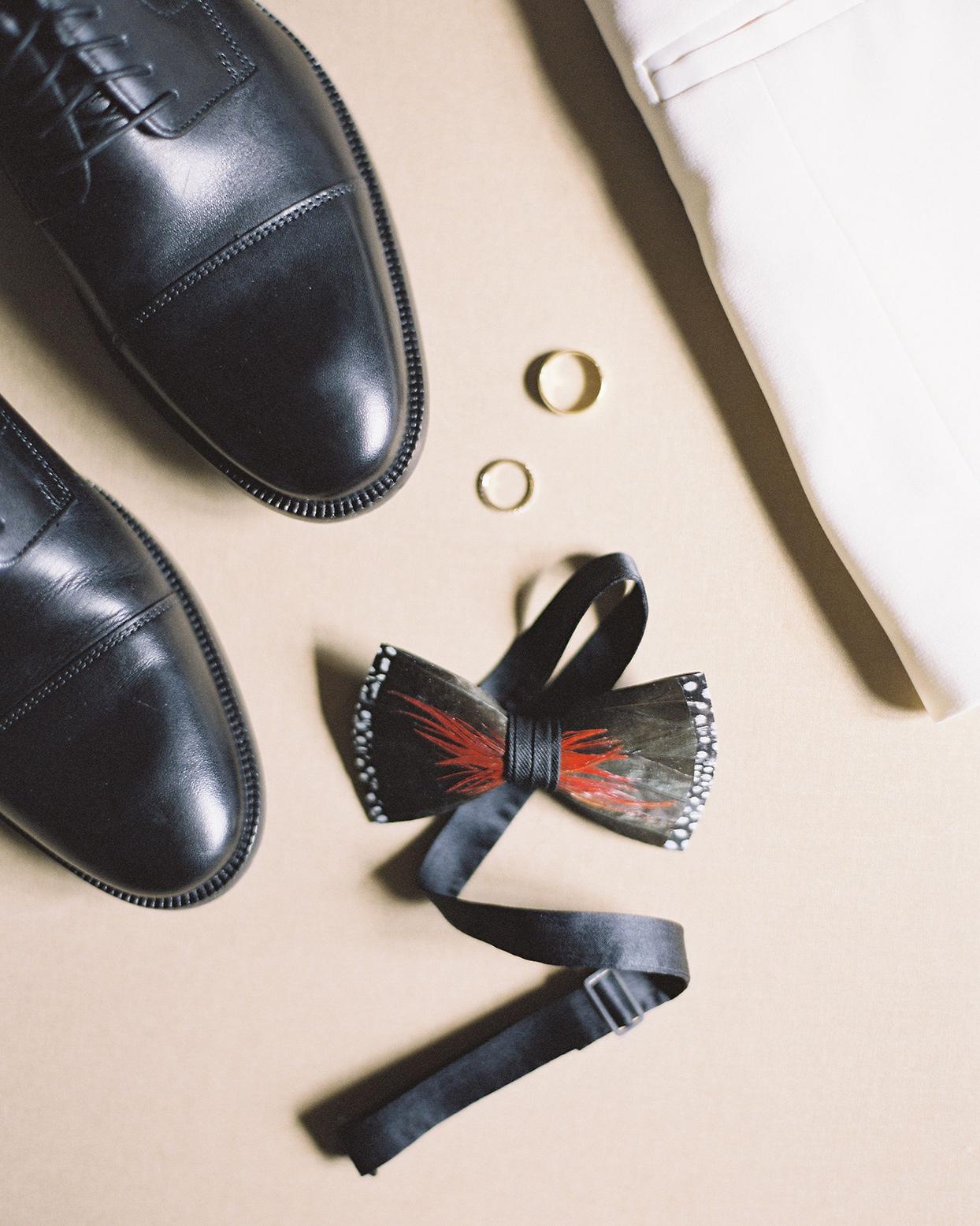 beverly steve groom's accessories