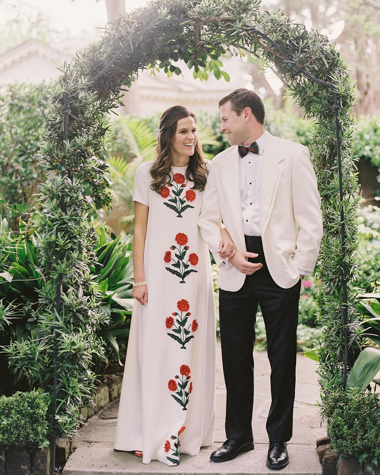 beverly steve wedding couple under arch