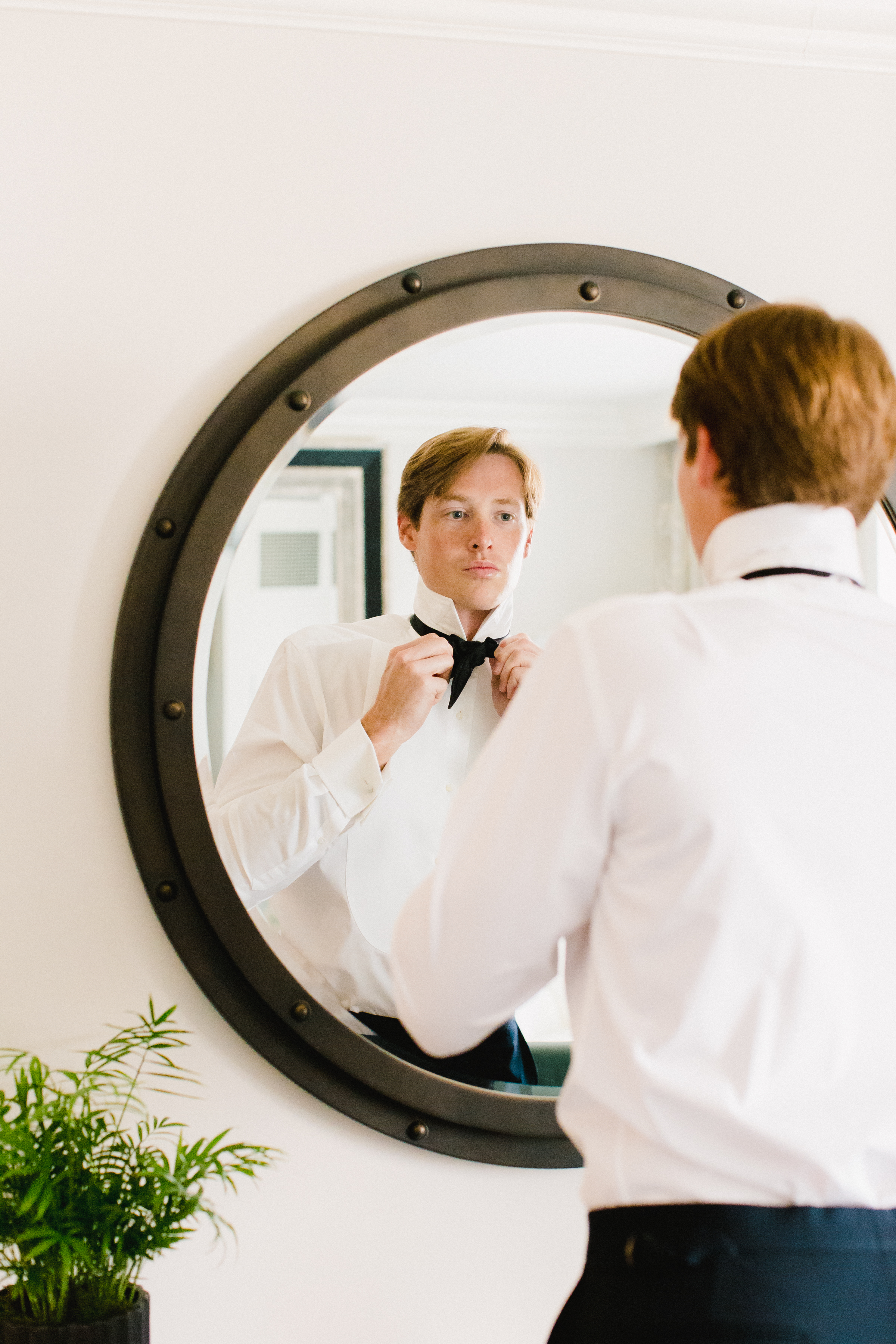 olivia colling wedding groom getting ready