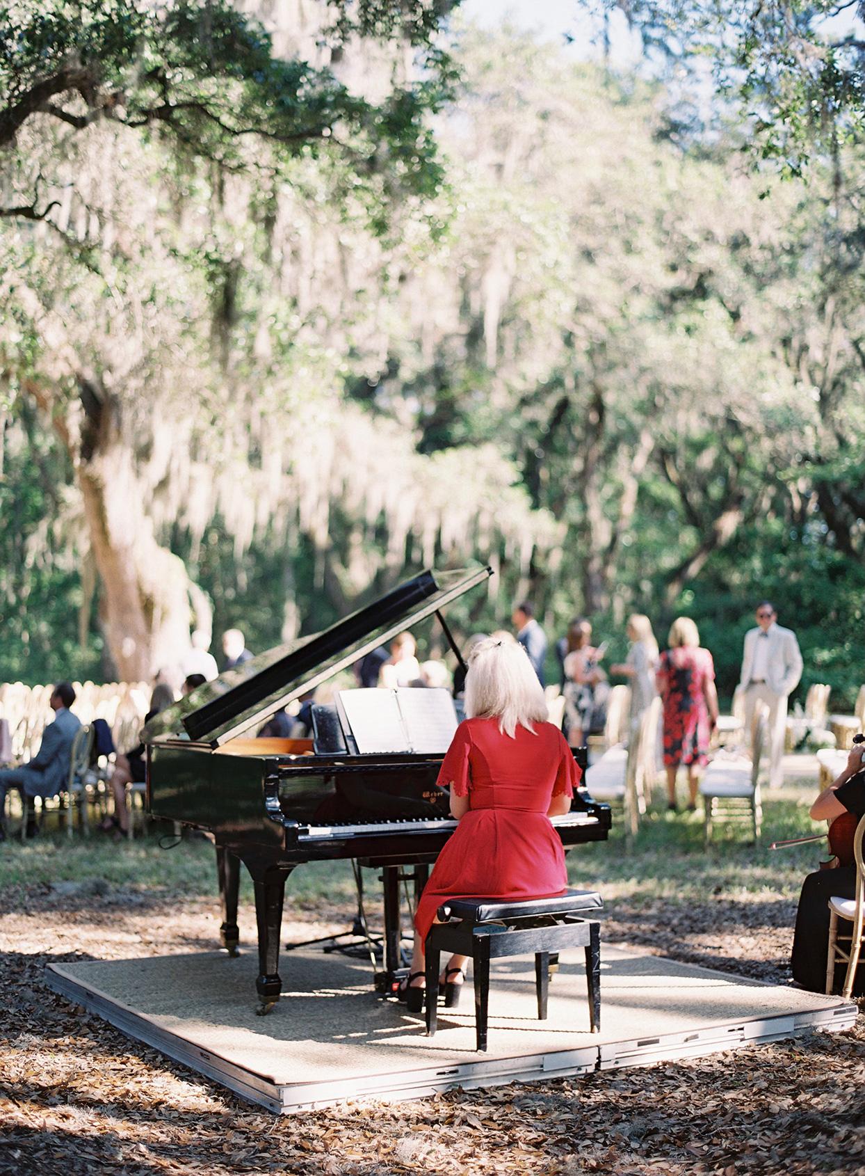 chelsea john wedding ceremony pianist