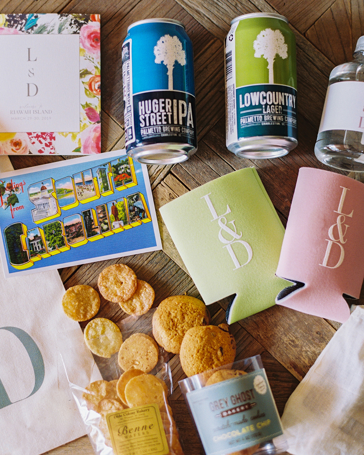 lauren dan wedding favors cookies, postcard, lager