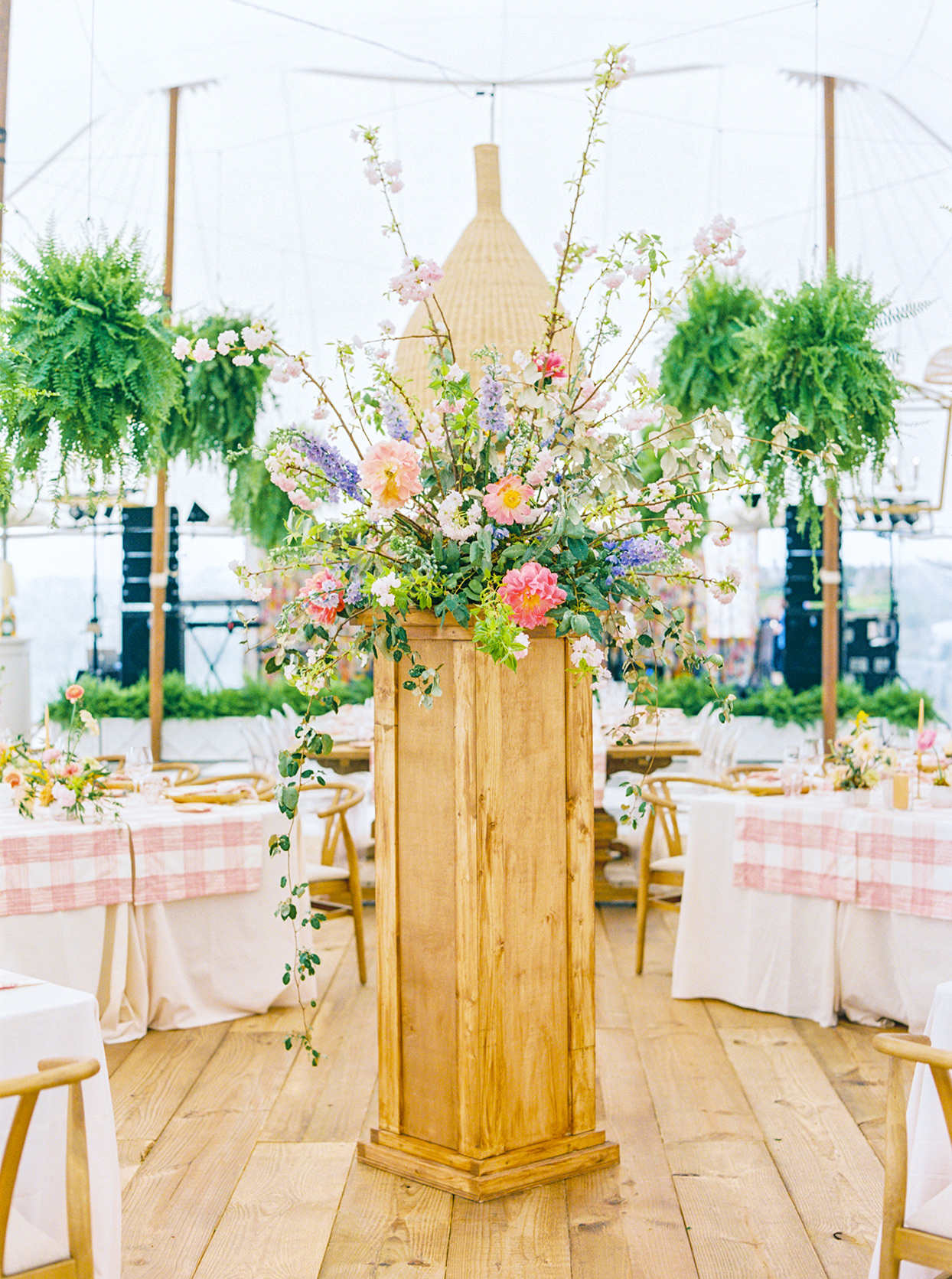lauren dan wedding reception wooden column filled with flowers