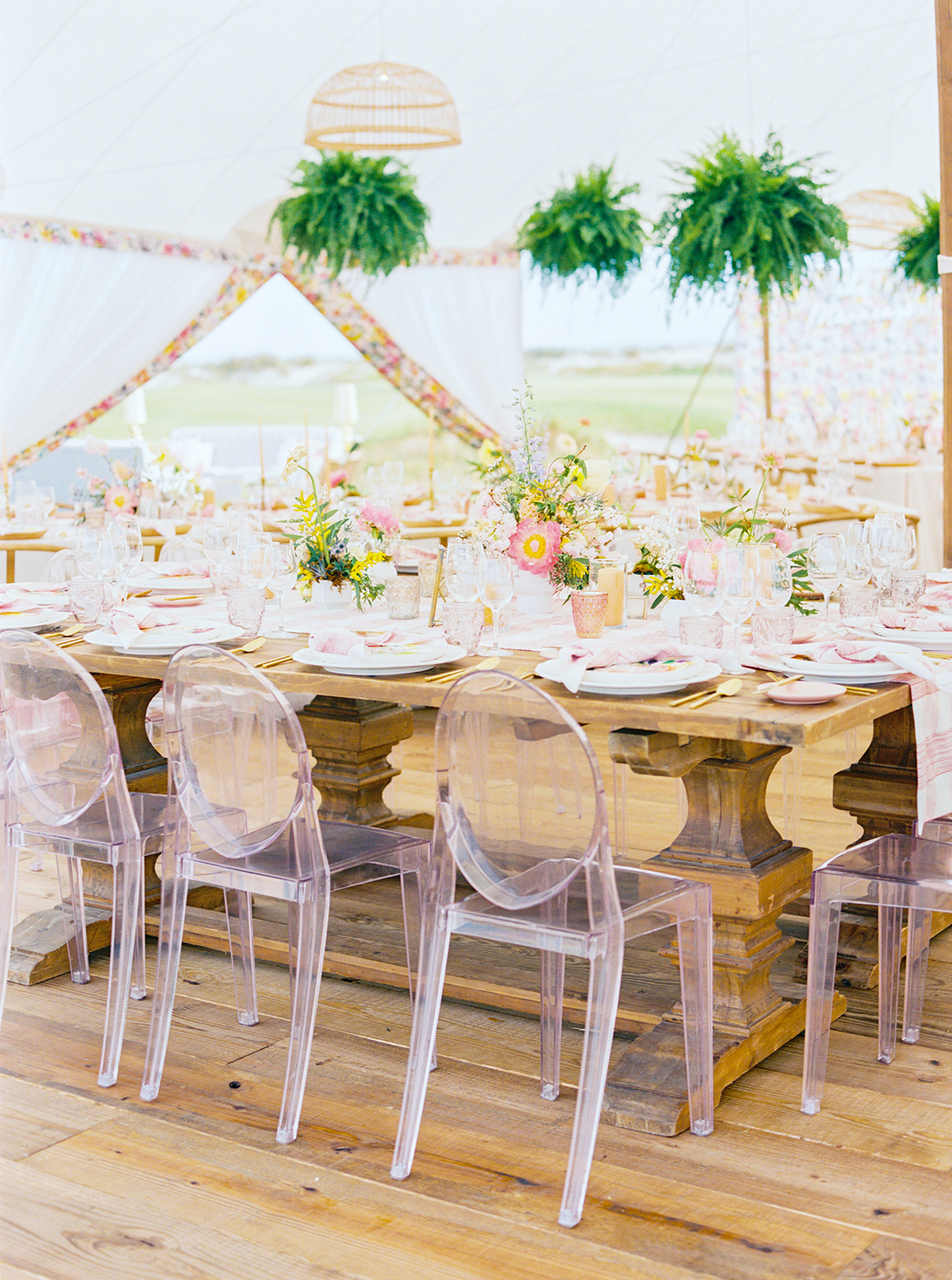 lauren dan wedding reception tables in tent