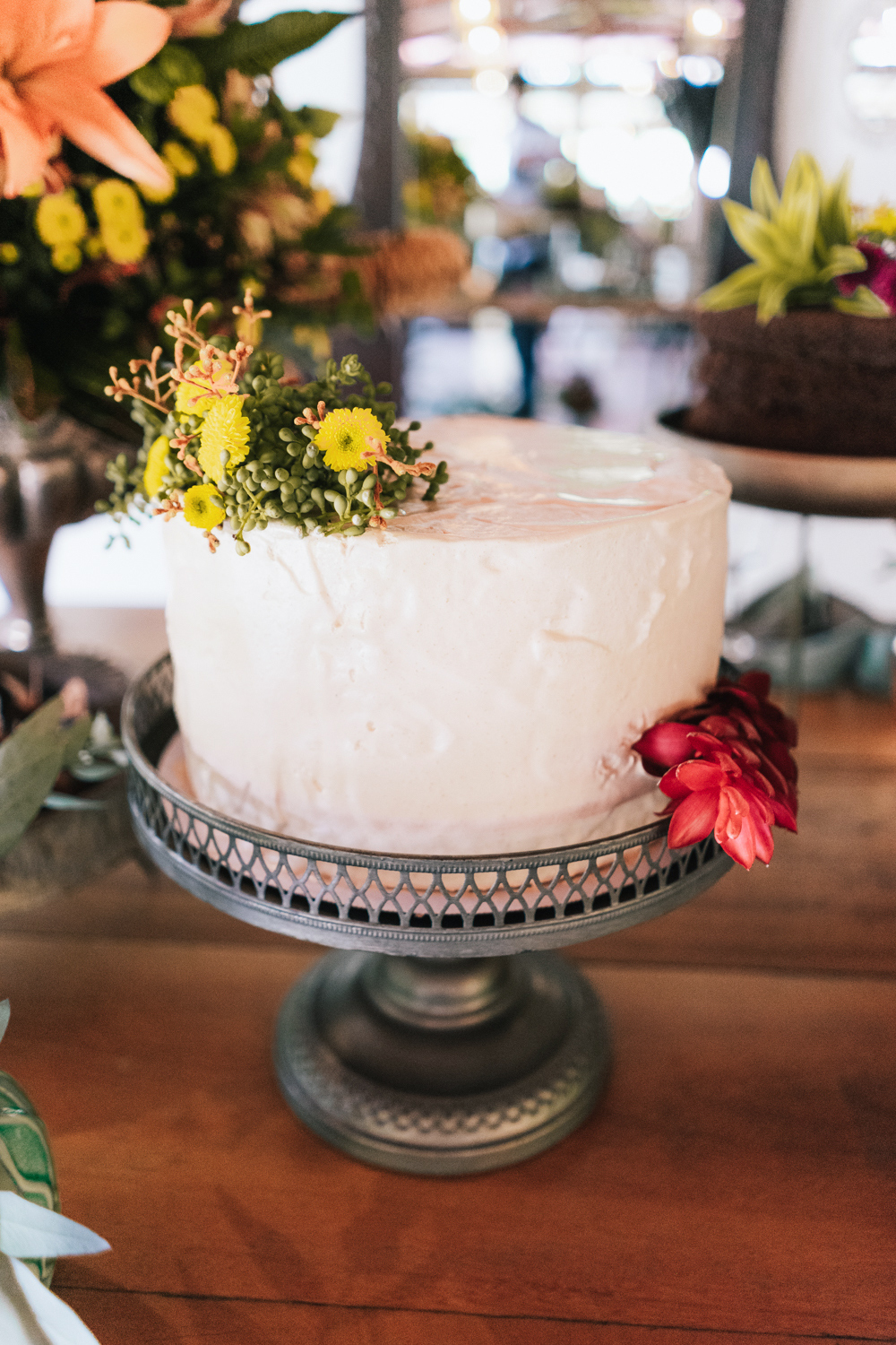 single layer wedding cake with flowers