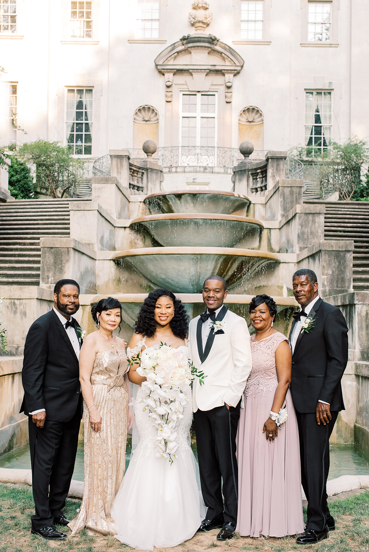 amelia justin wedding family portrait