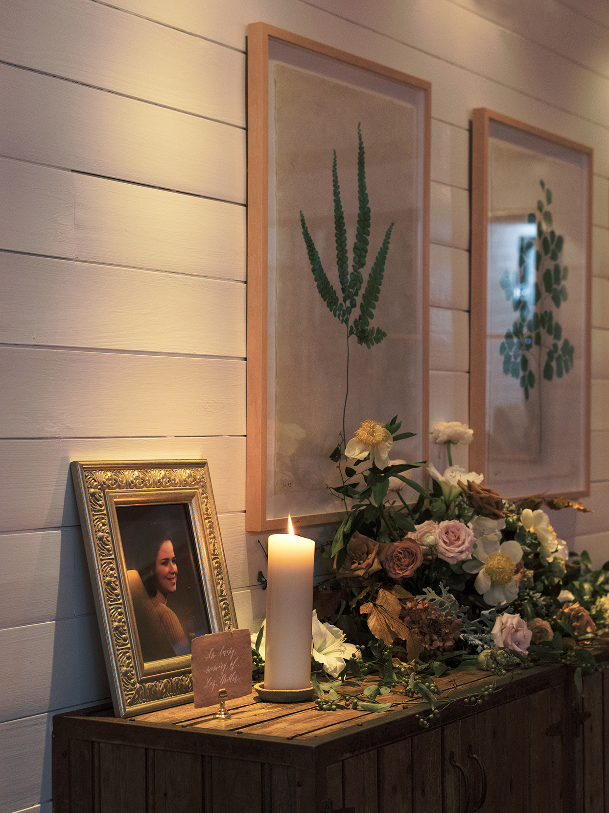 elizabeth scott wedding memorial picture and candle on table
