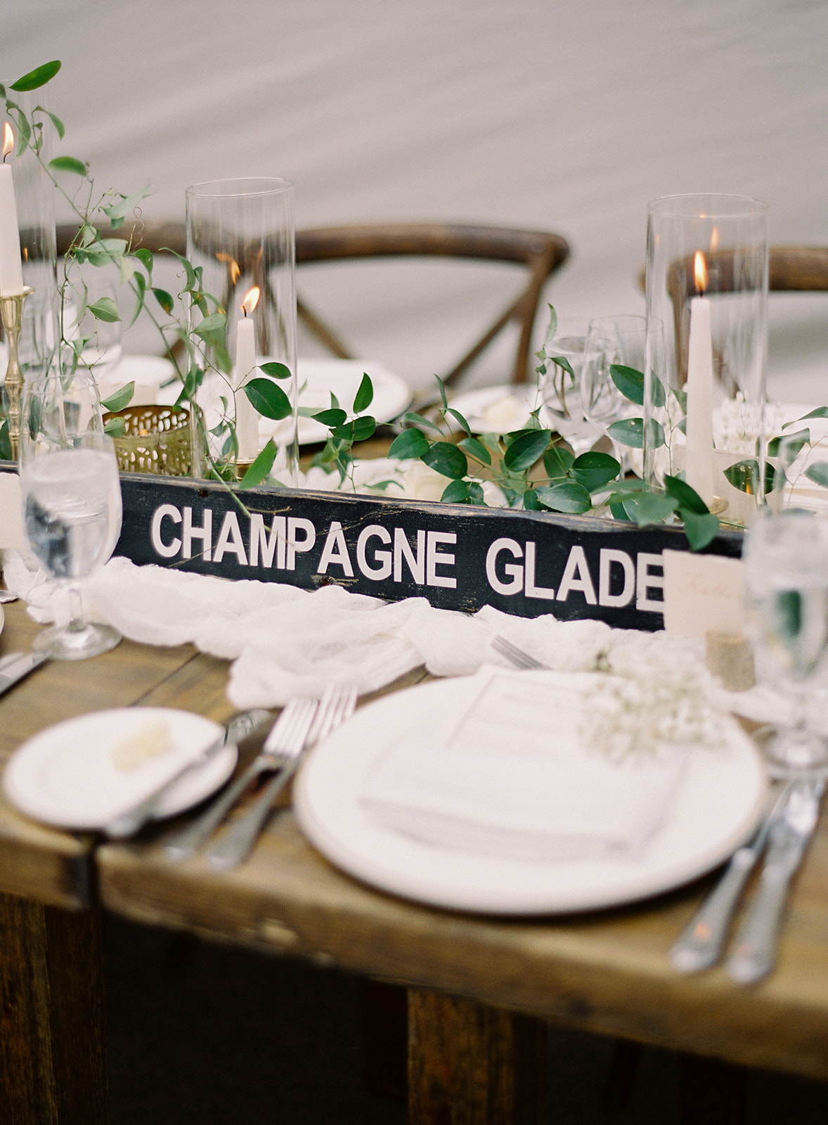 creative name ski signs reception tables