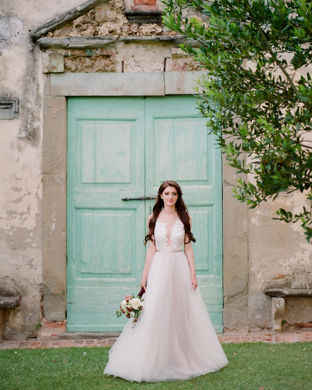 brides chiffon wedding dress v-beck belt