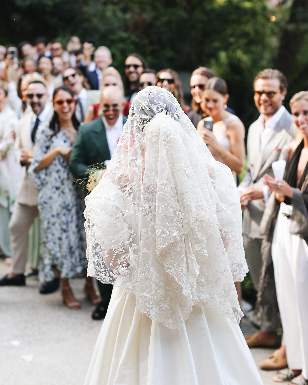 pia davide wedding bride's lace veil