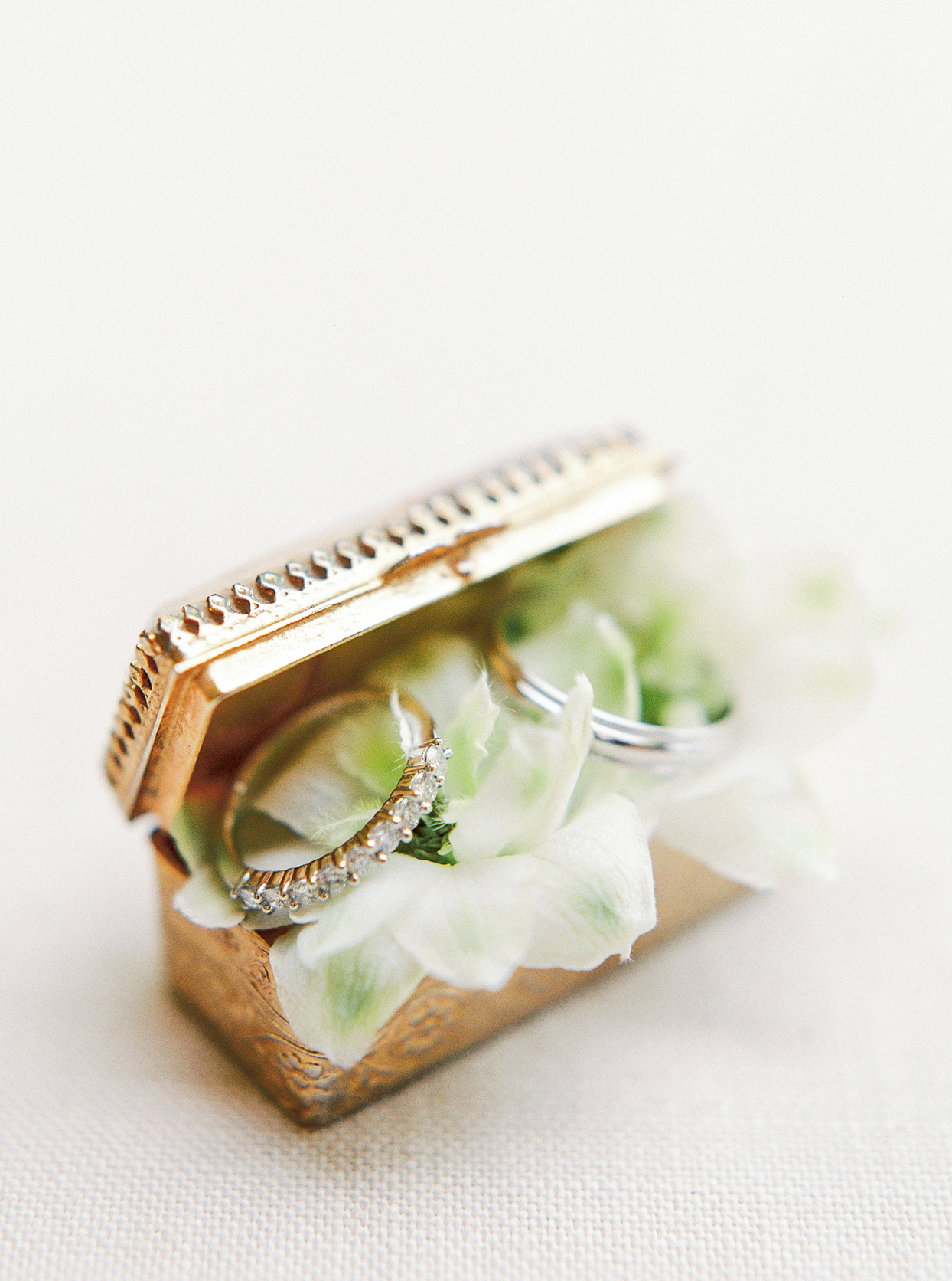 krystyna alexander wedding rings in ornate box
