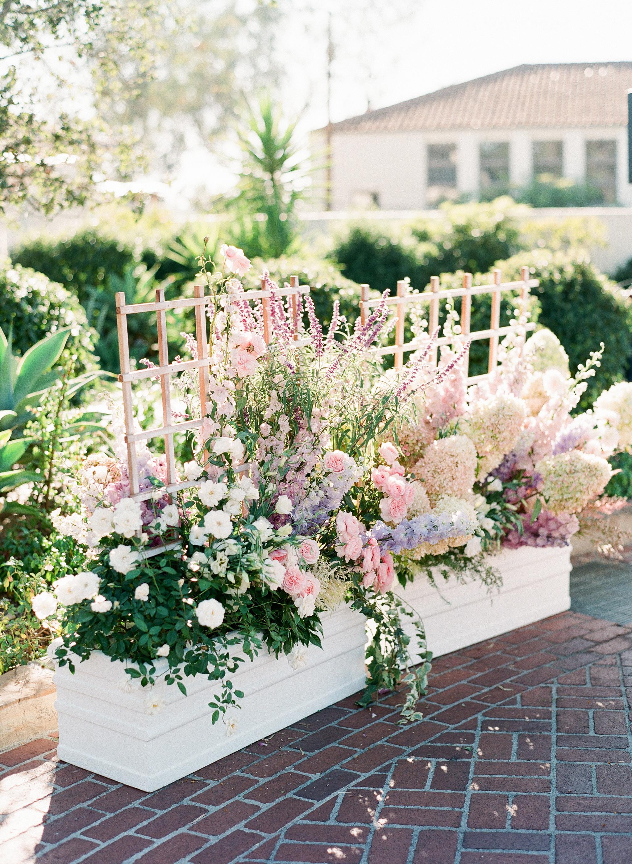 katy michael ceremony flowers