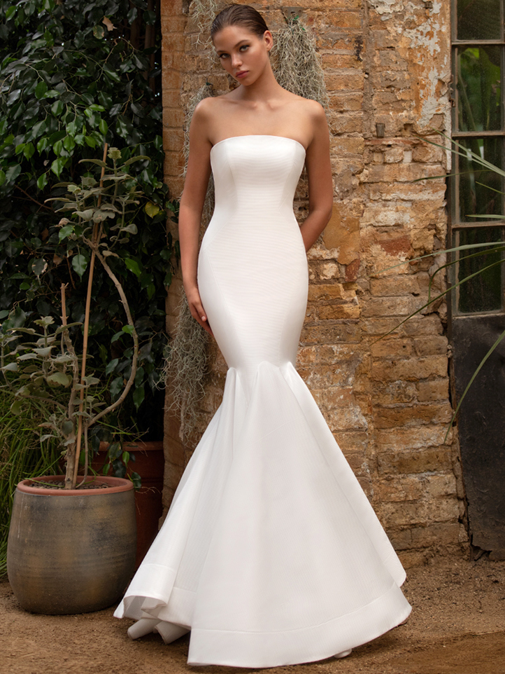 Zac Posen For White One strapless trumpet wedding dress fall 2020