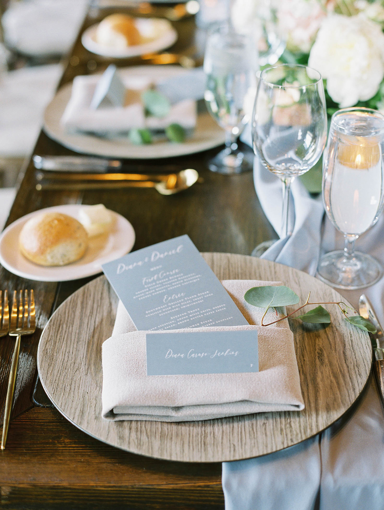 reception place setting menus wood pattern plates