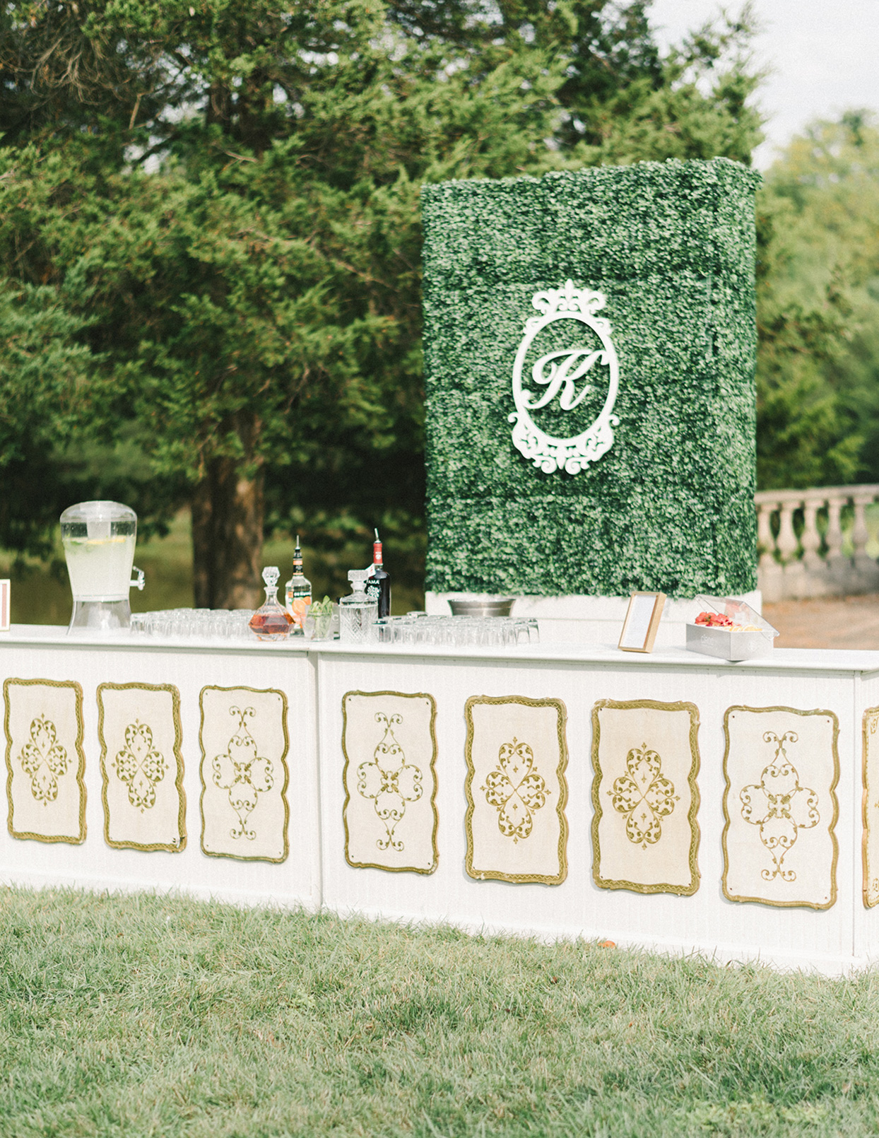 ericka meechaeyl wedding bar and topiary