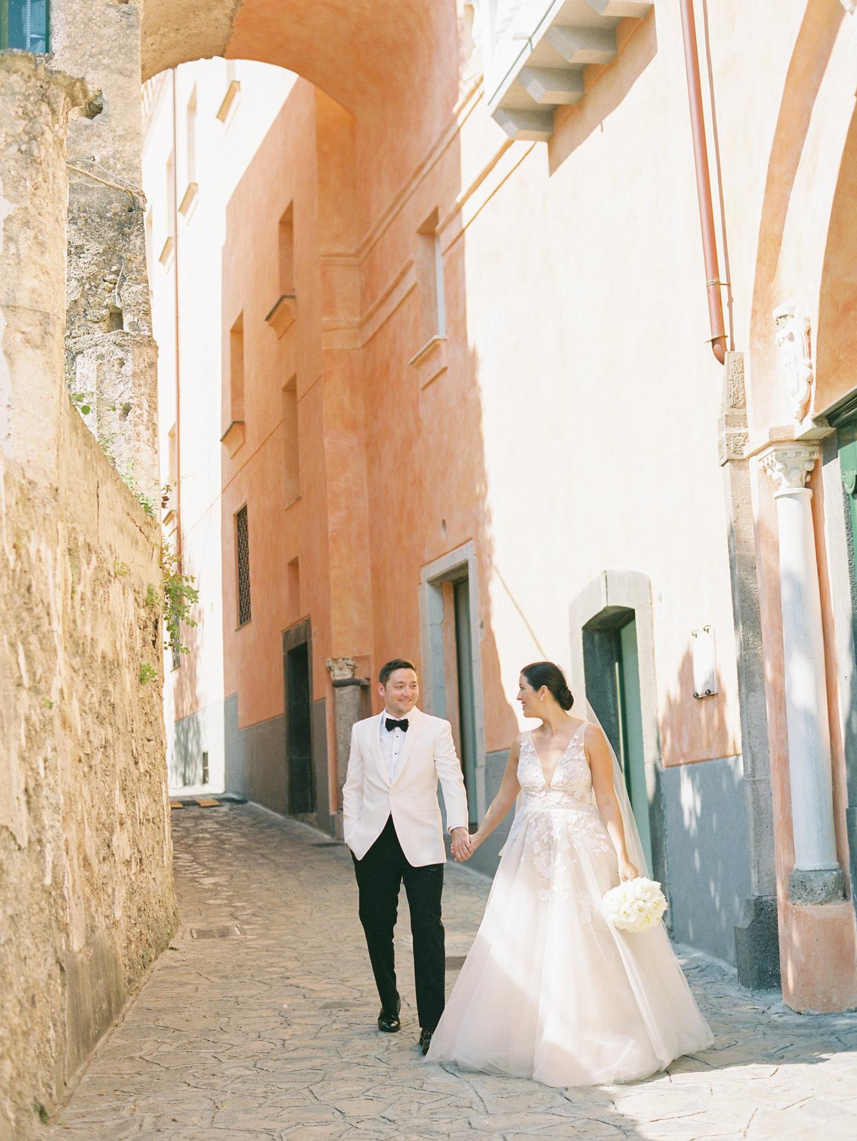 jacqueline david wedding couple walking through italian streets