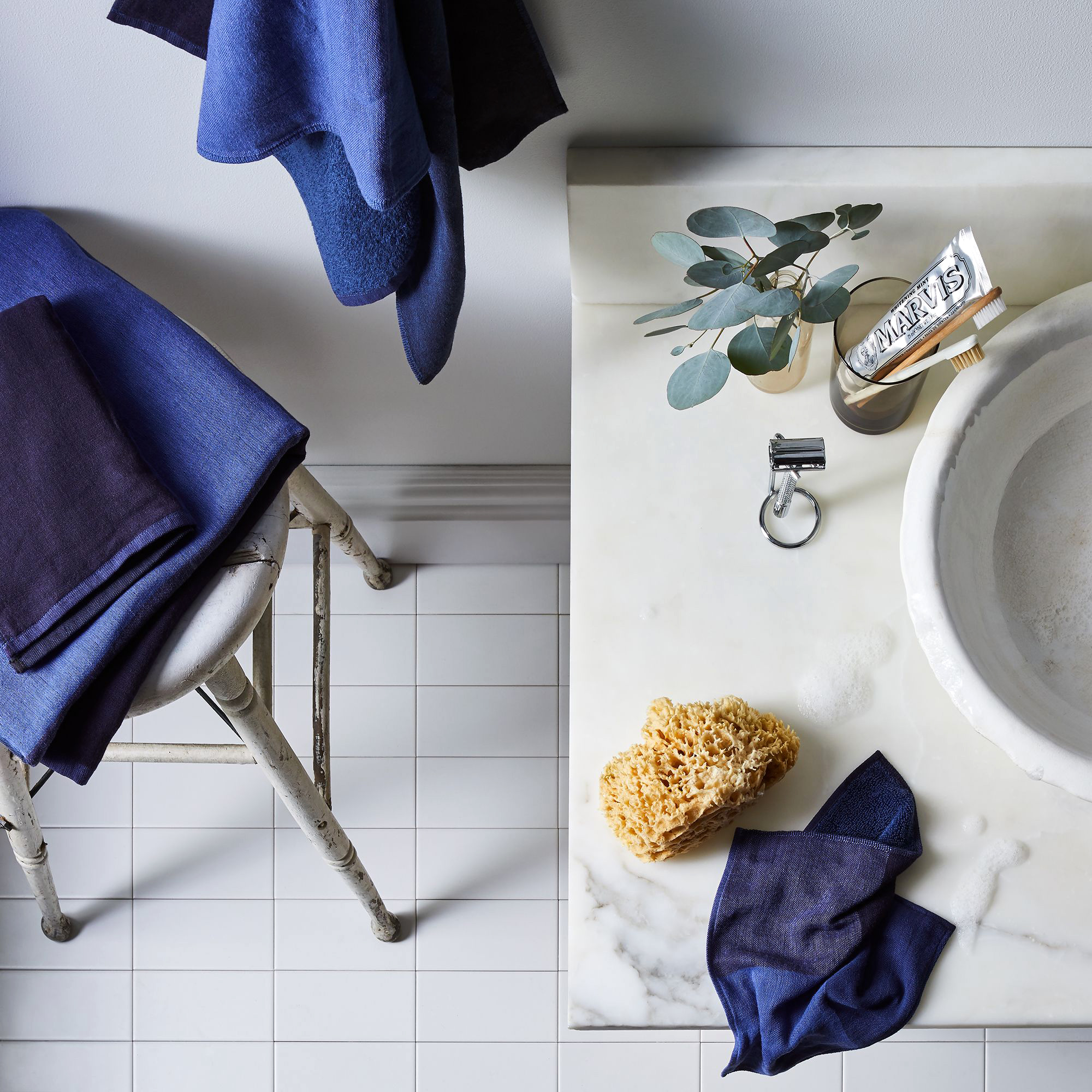 dark blue two tone bath towels