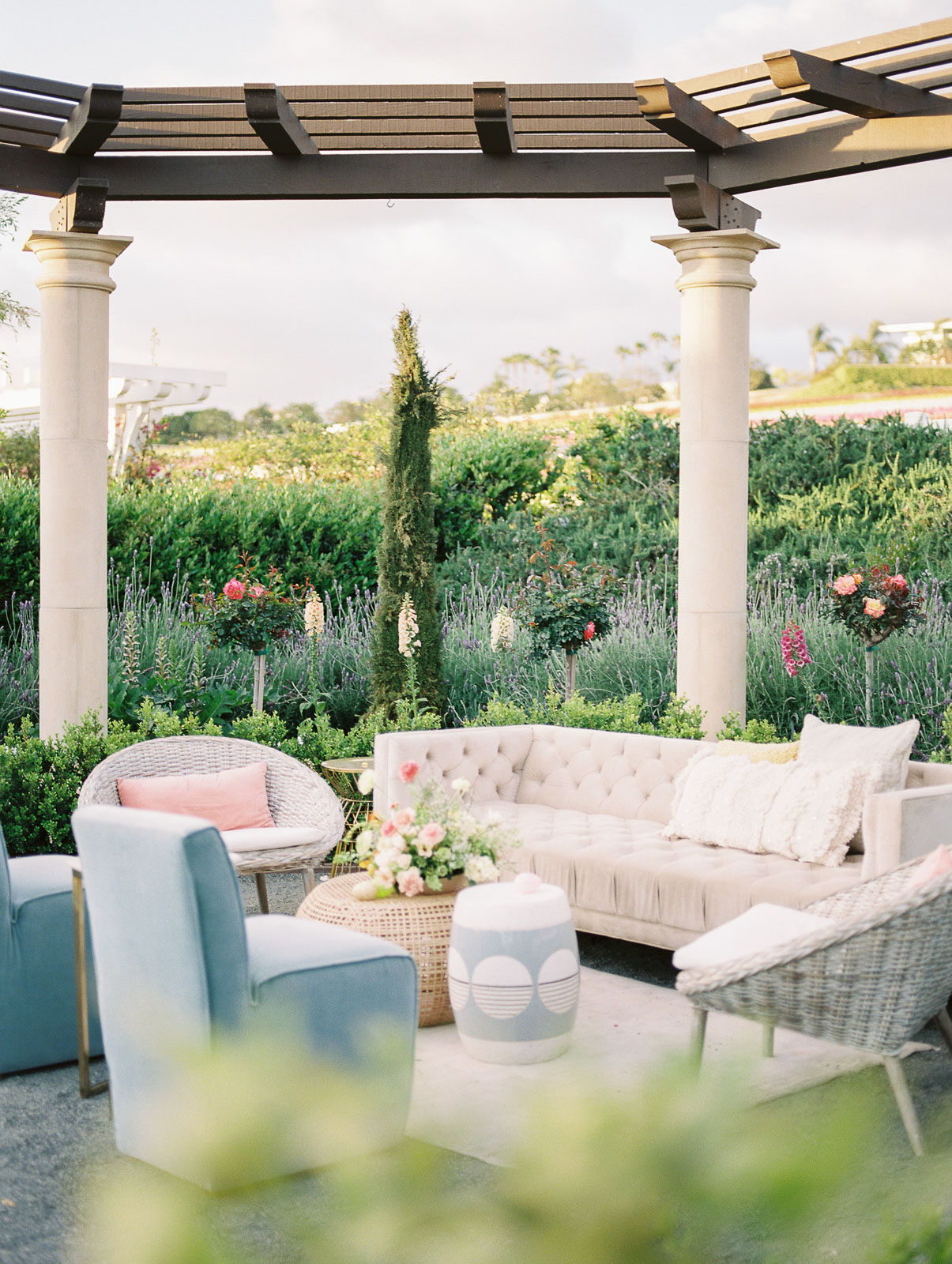 white and blue wedding lounge furniture