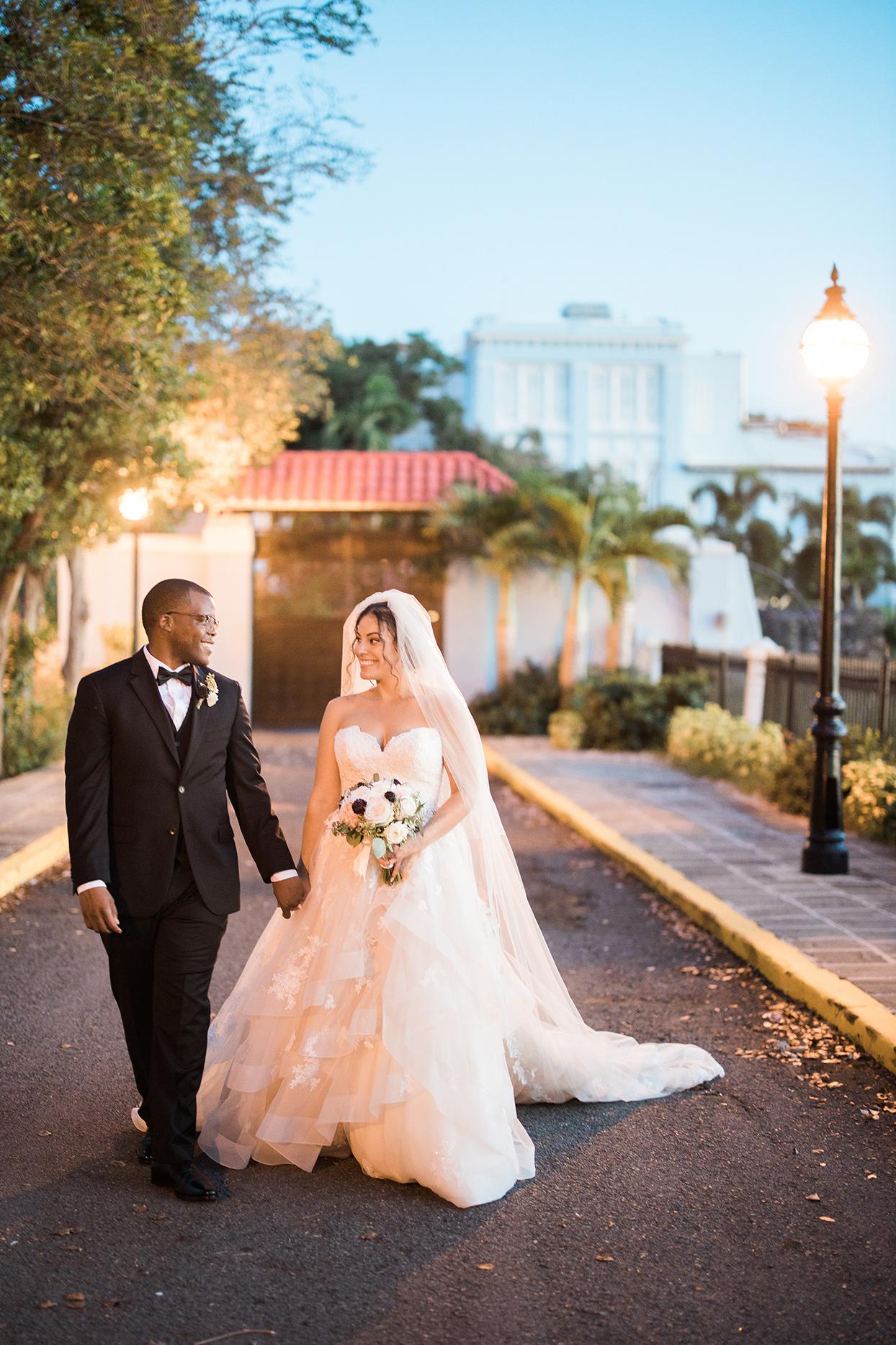 victoria tk wedding portraits by street lamp