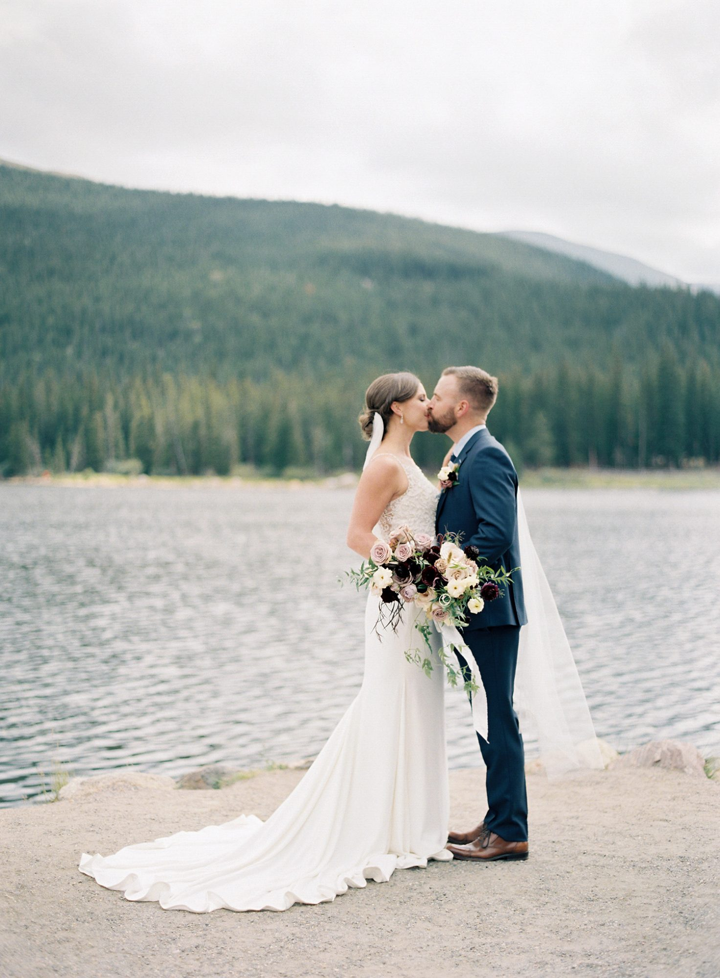 Casey Andrew Wedding Couple Kissing