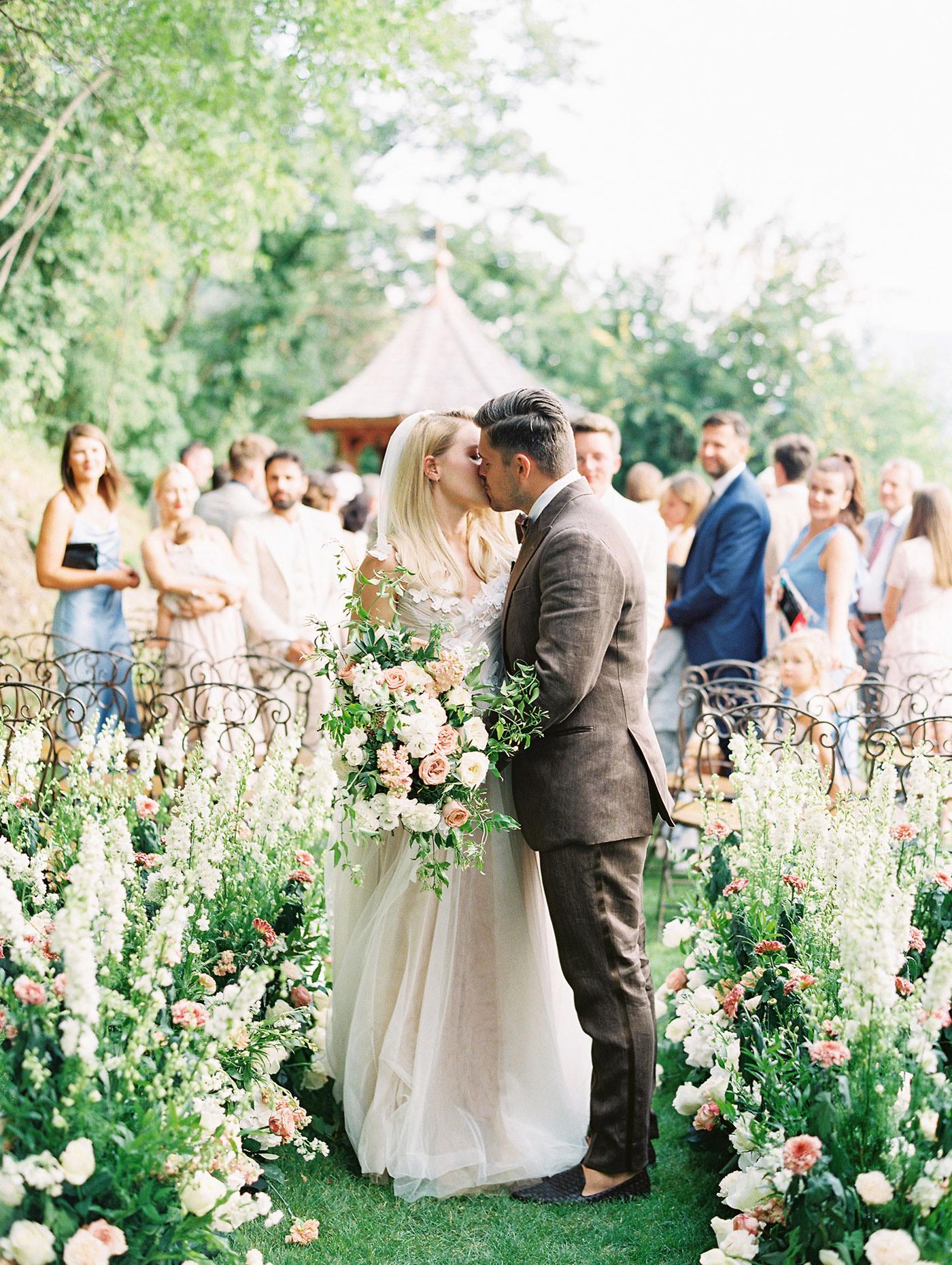 julia franz wedding couple kiss