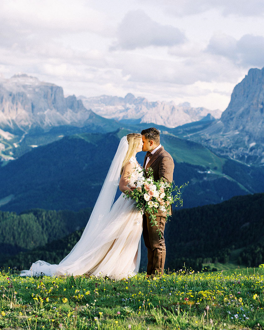 julia franz wedding mountain couple kissing