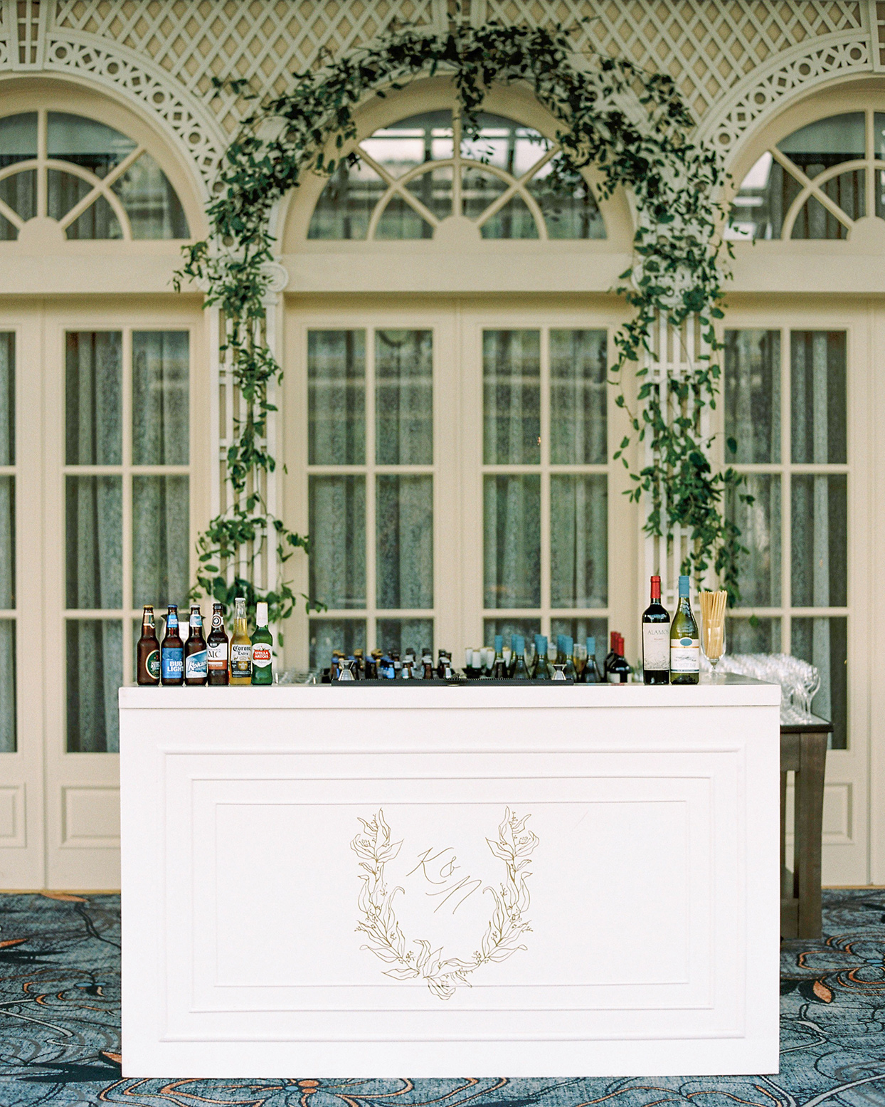 katie nicholas wedding bar with crest